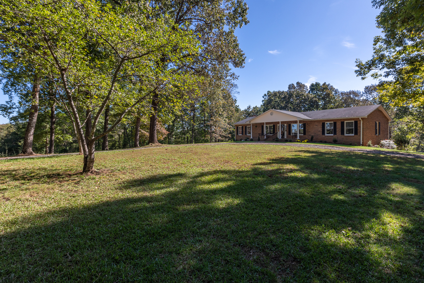 Single Family Homes for Sale at RUTHERFORDTON 280 Bennett Rd Rutherfordton, North Carolina 28139 United States