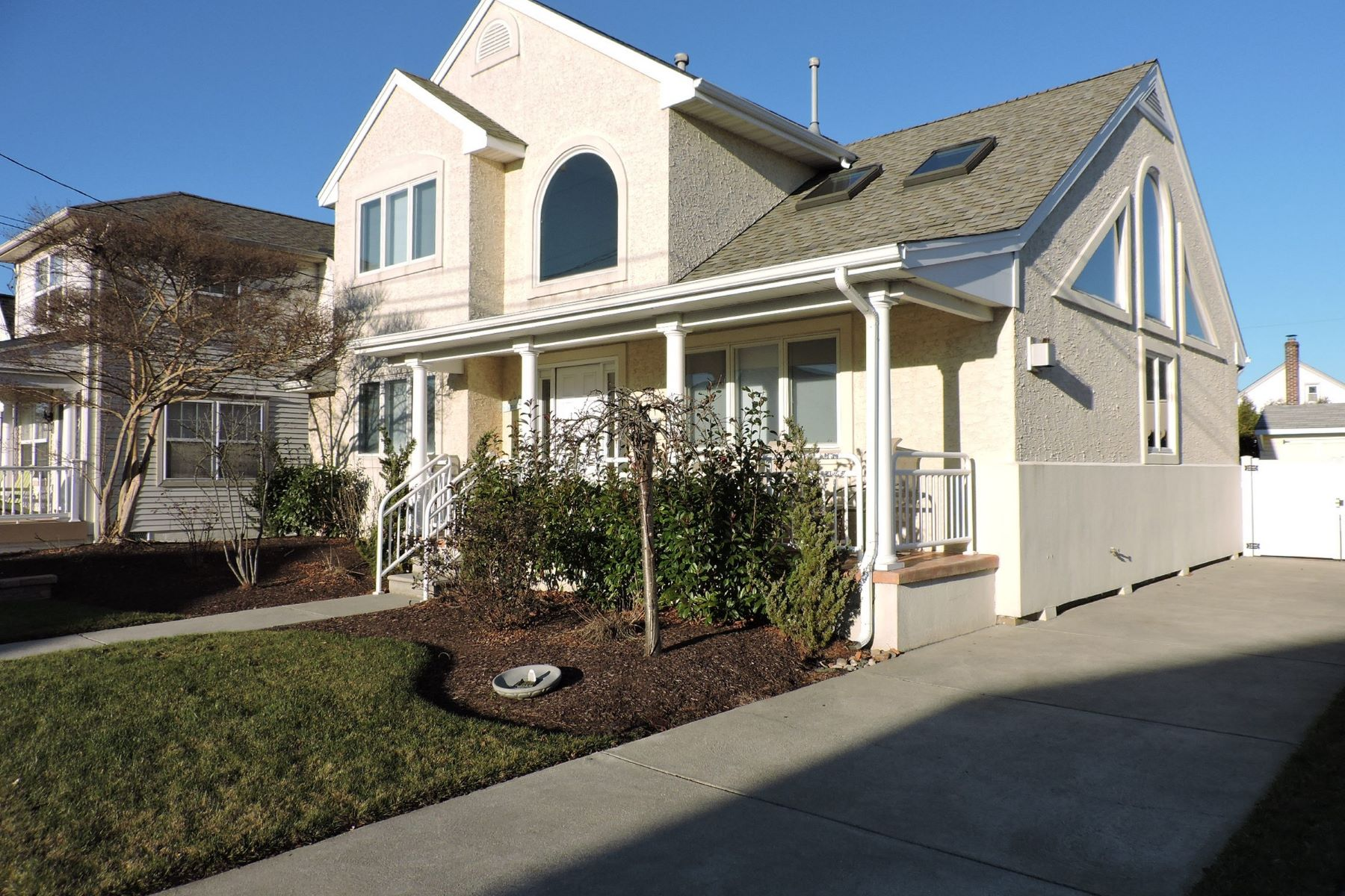 Single Family Home for Rent at 25 N Frontenac Ave 25 N Frontenac Ave AUGUST, Margate, New Jersey 08402 United States