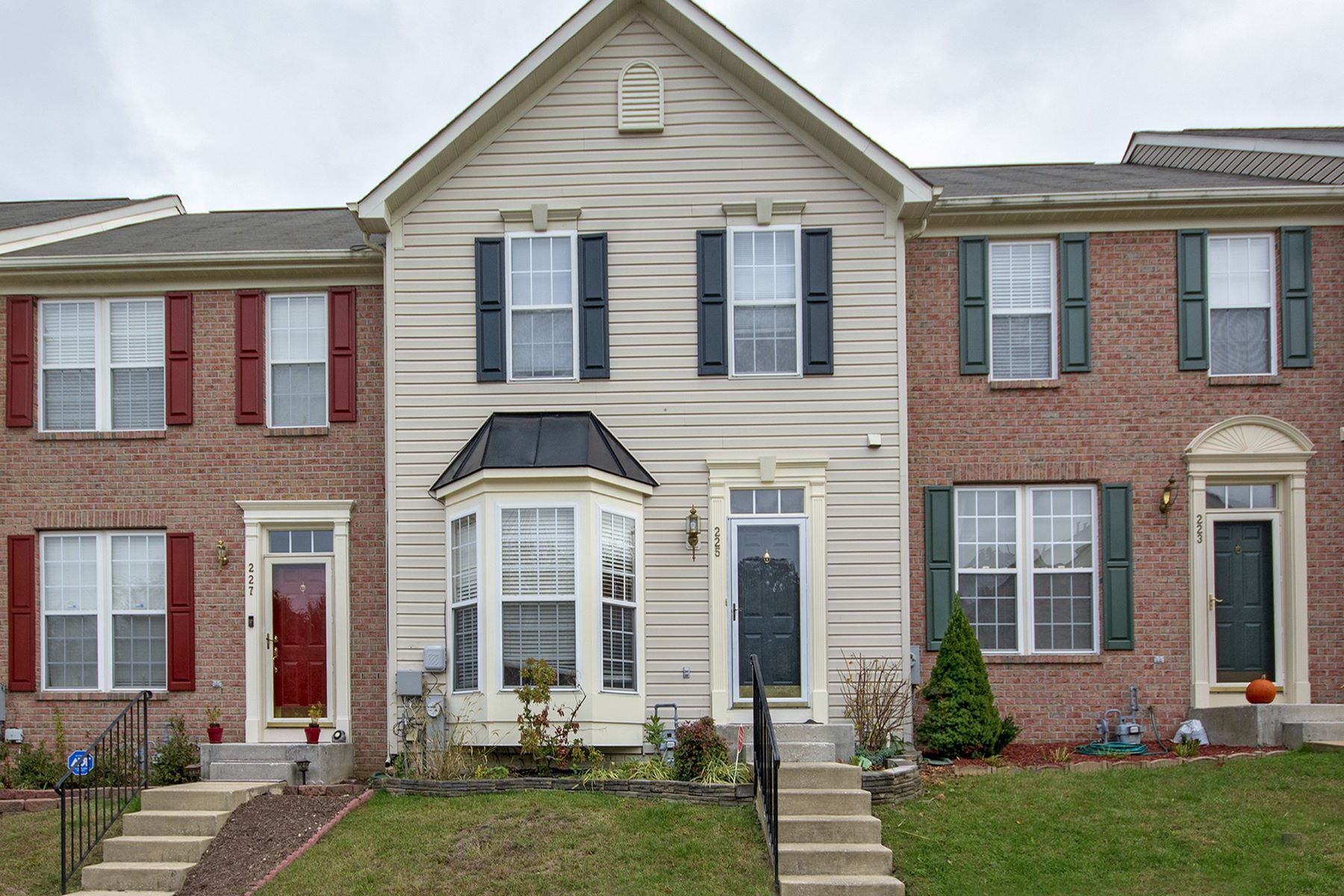 Single Family Homes por un Venta en Bright and Airy 225 Isinglass Road Owings Mills, Maryland 21117 Estados Unidos
