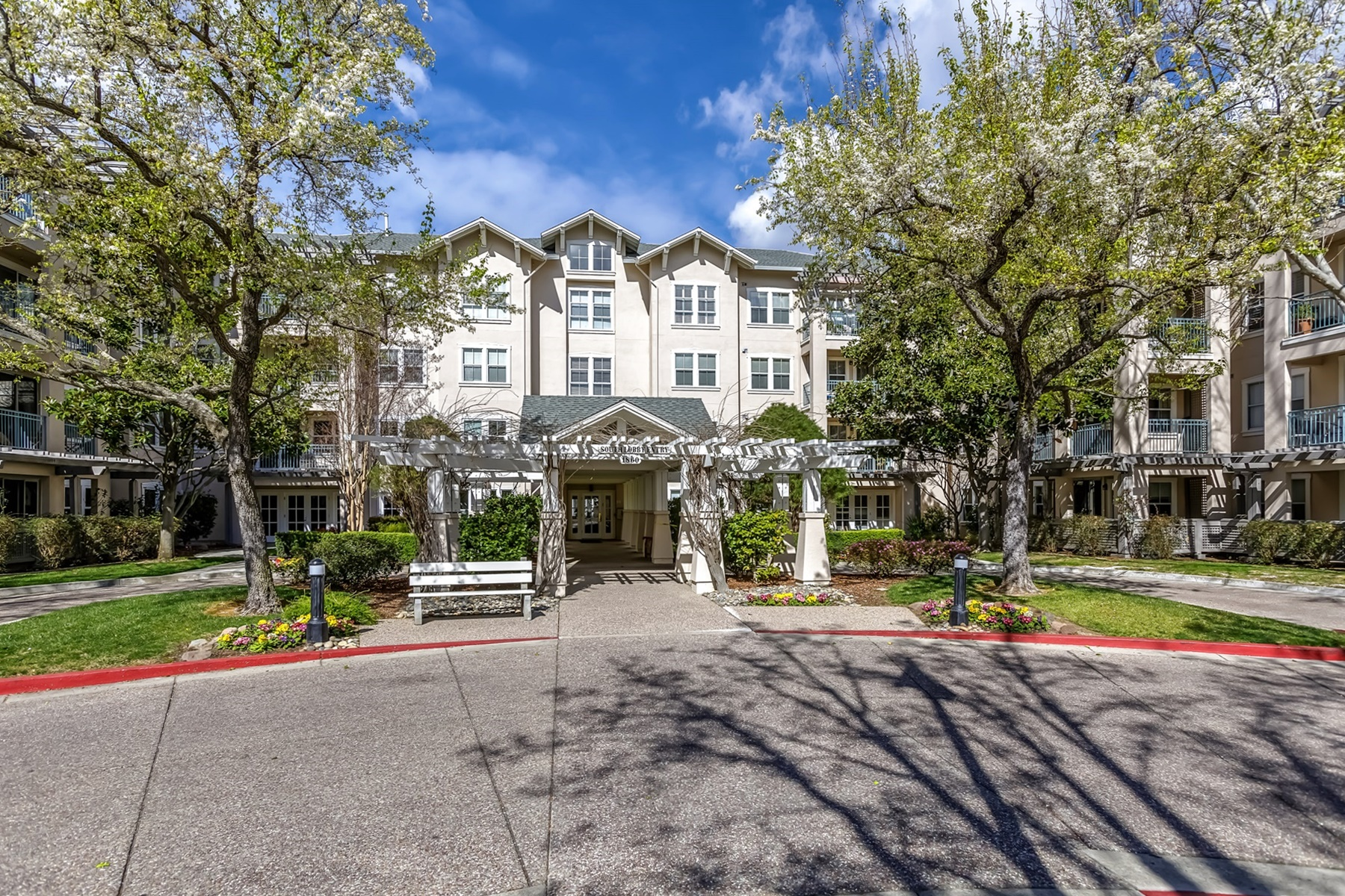 Condominium for Sale at Waterford Independent Living 1860 Tice Creek Drive #1249 Walnut Creek, California 94595 United States