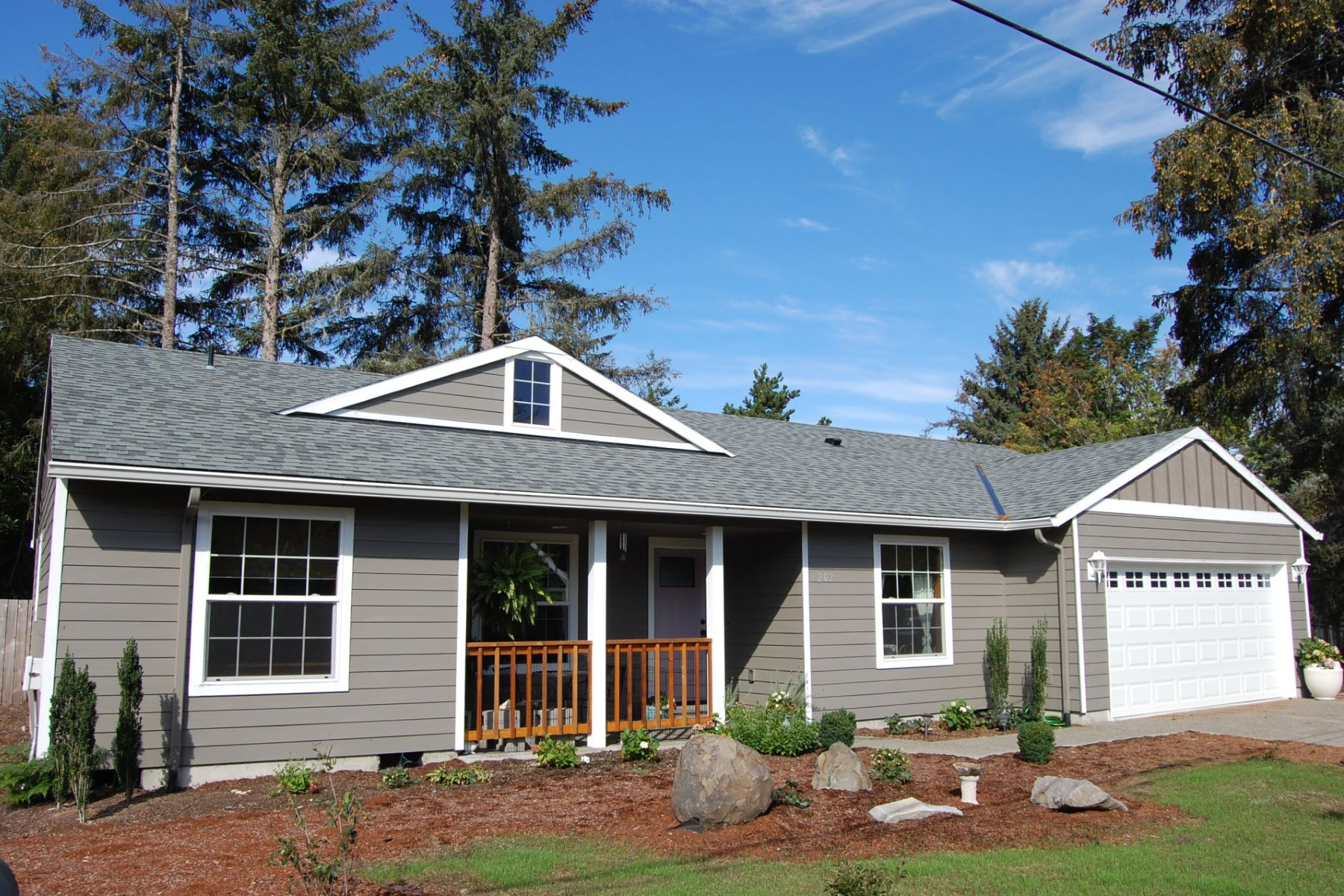 Single Family Homes 為 出售 在 2017 Gearhart Home Under $400k! 202 Spruce Ave, Gearhart, 俄勒岡州 97138 美國