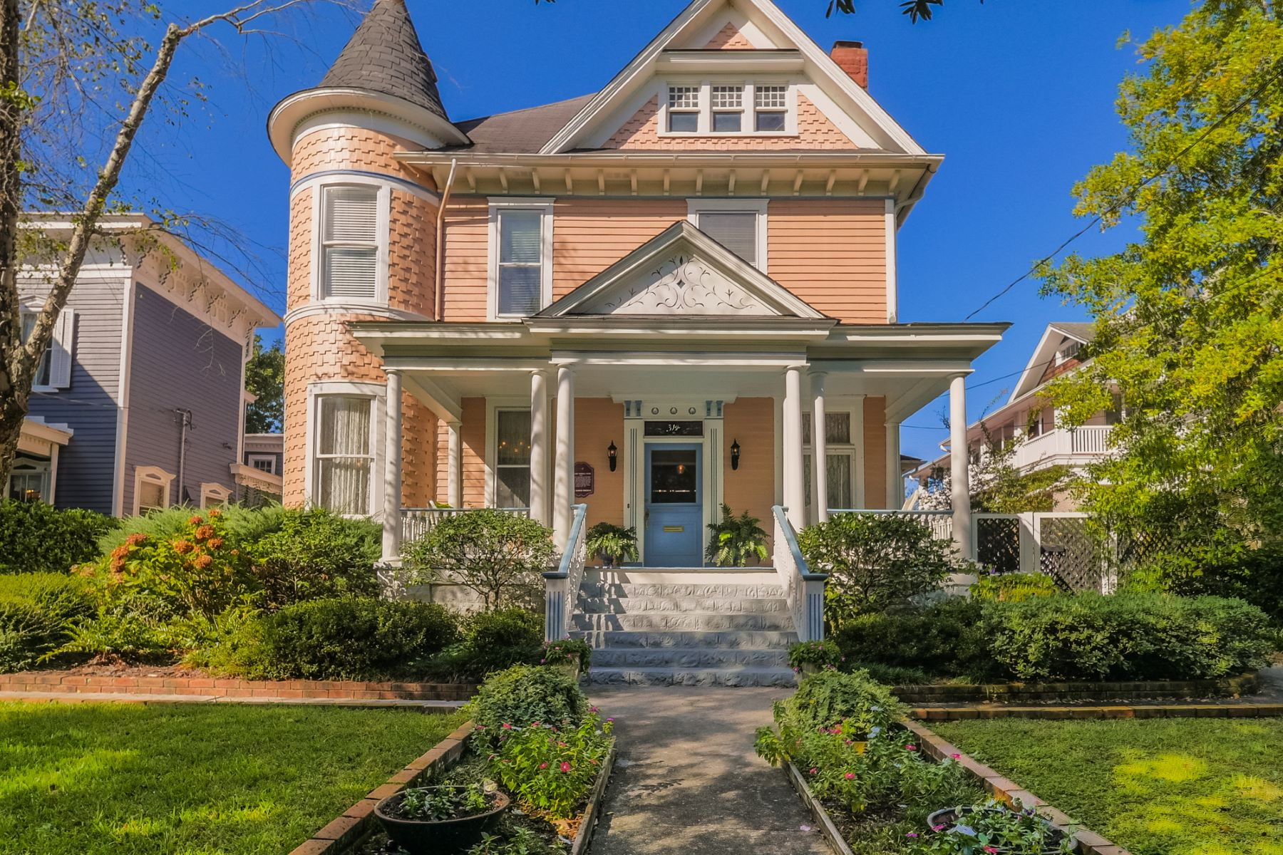 Single Family Home for Sale at Spectacular Historic Riverfront Home 314 S Front St, Wilmington, North Carolina, 28401 United States