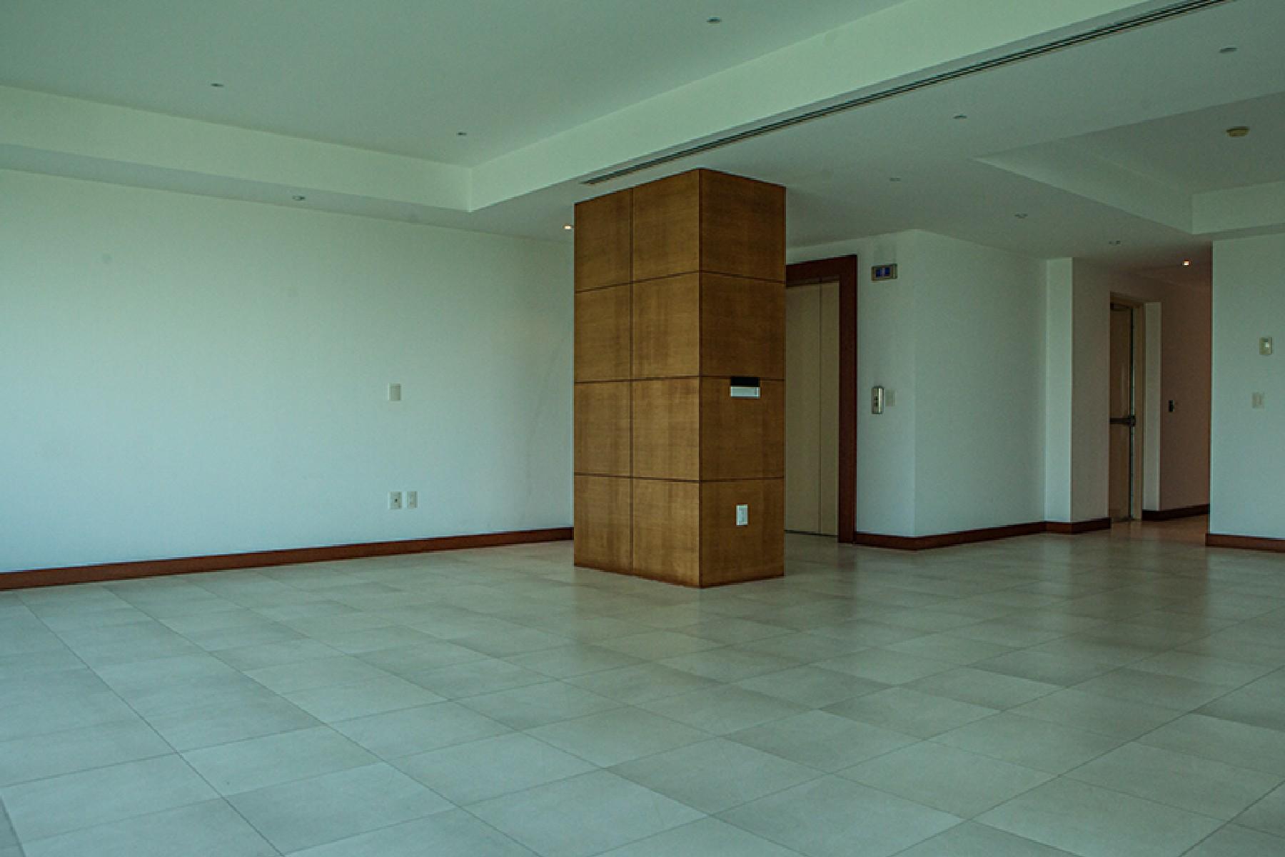 Additional photo for property listing at Torre Myth 1 - 07, Guadalajara Country Club Mar Tirreno 2136  1-07 Guadalajara, Jalisco 44610 Mexico