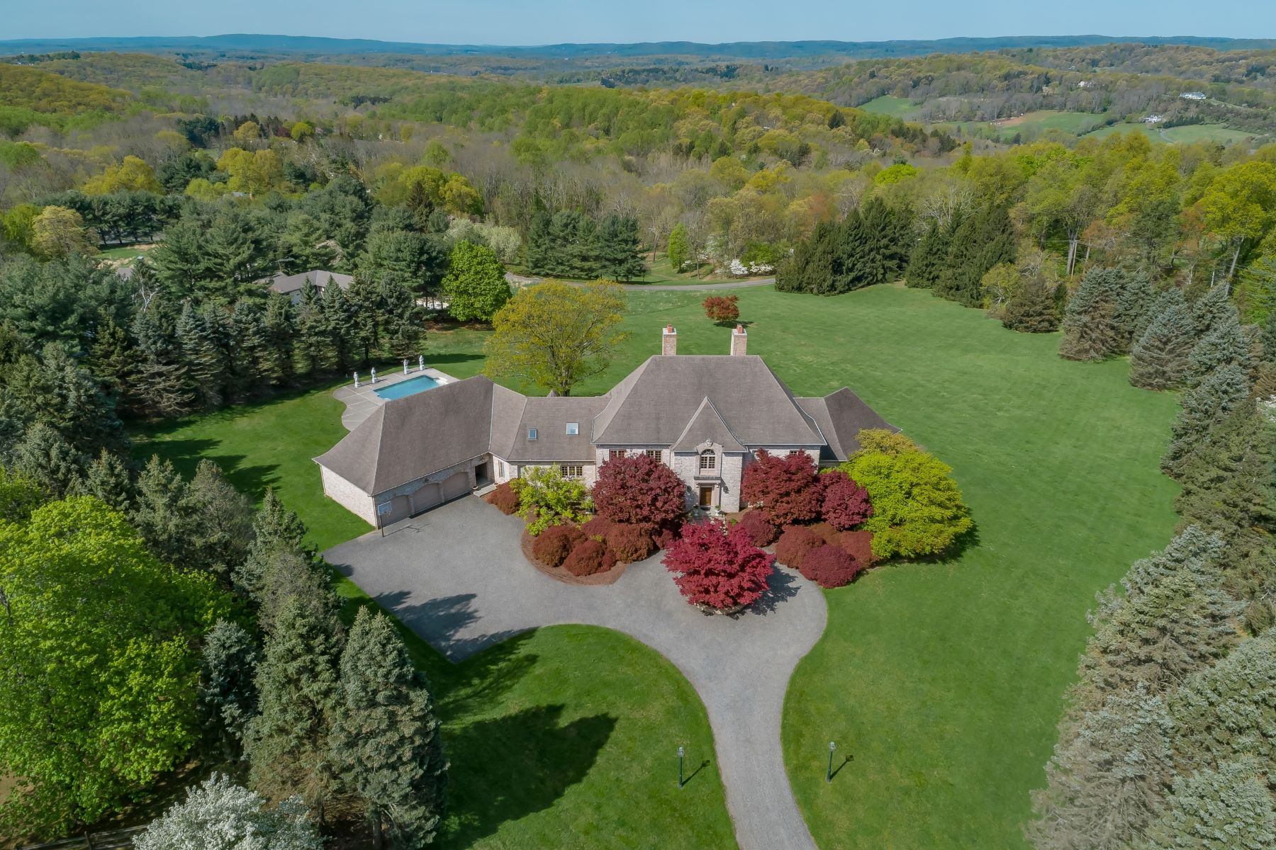 Single Family Homes for Sale at Picture-Perfect Views atop Bernardsville Mountain 110 Clark Road Bernardsville, New Jersey 07924 United States