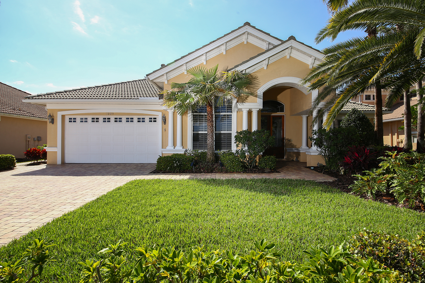 Single Family Homes for Sale at NORTHSHORT AT RIVIERA DUNES 1009 3rd St E Palmetto, Florida 34221 United States