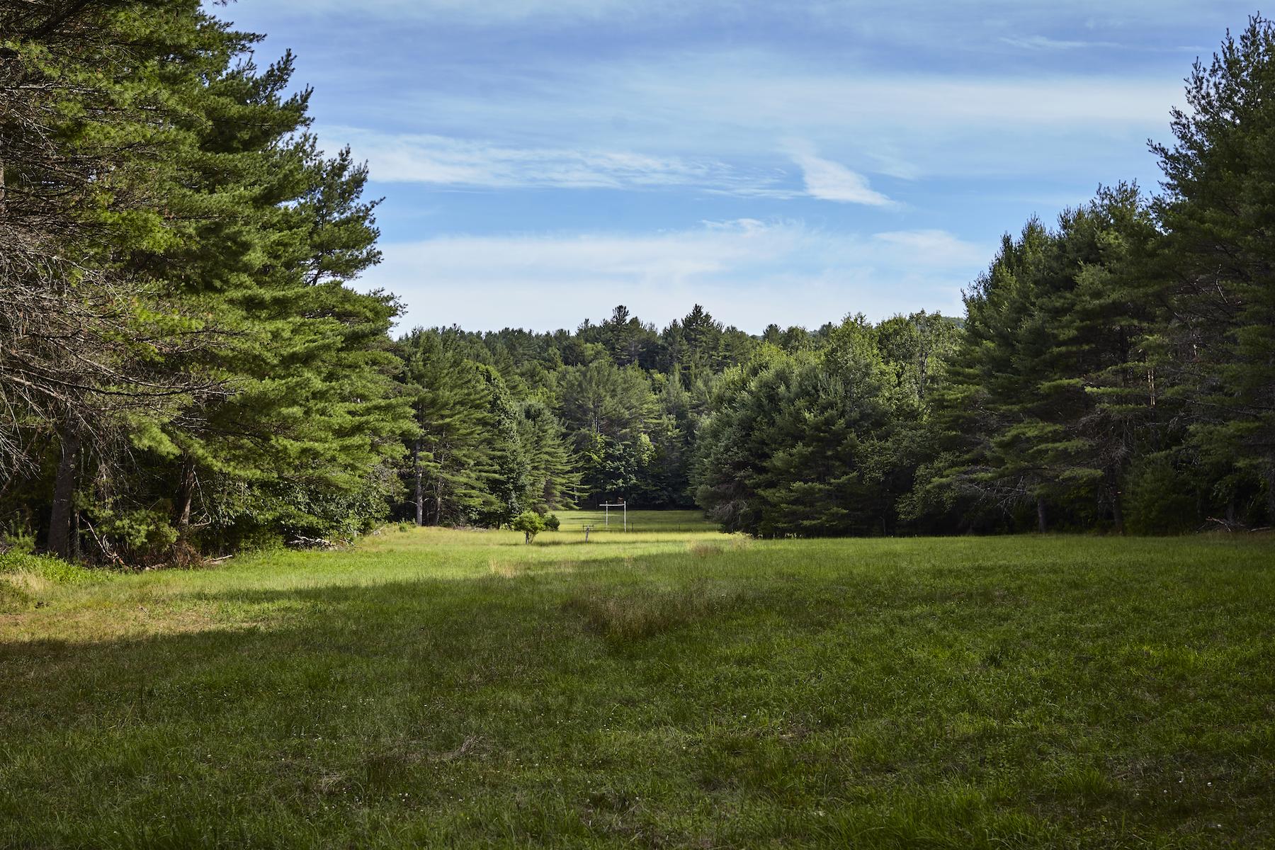 Single Family Homes för Försäljning vid Wild River Farm 35 Dean Mountain Rd, Hadley, New York 12835 Förenta staterna