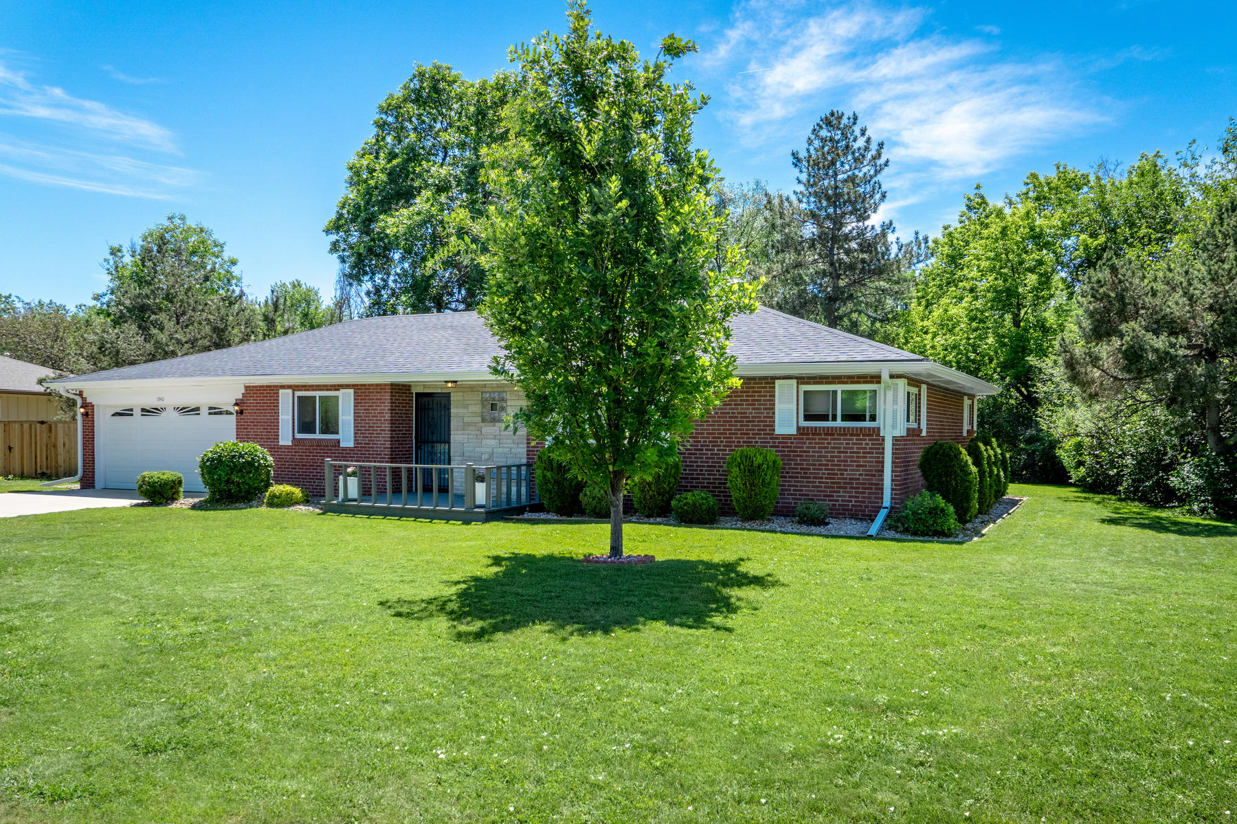 Single Family Home for Active at 1940 Willow Lane Lakewood, Colorado 80215 United States