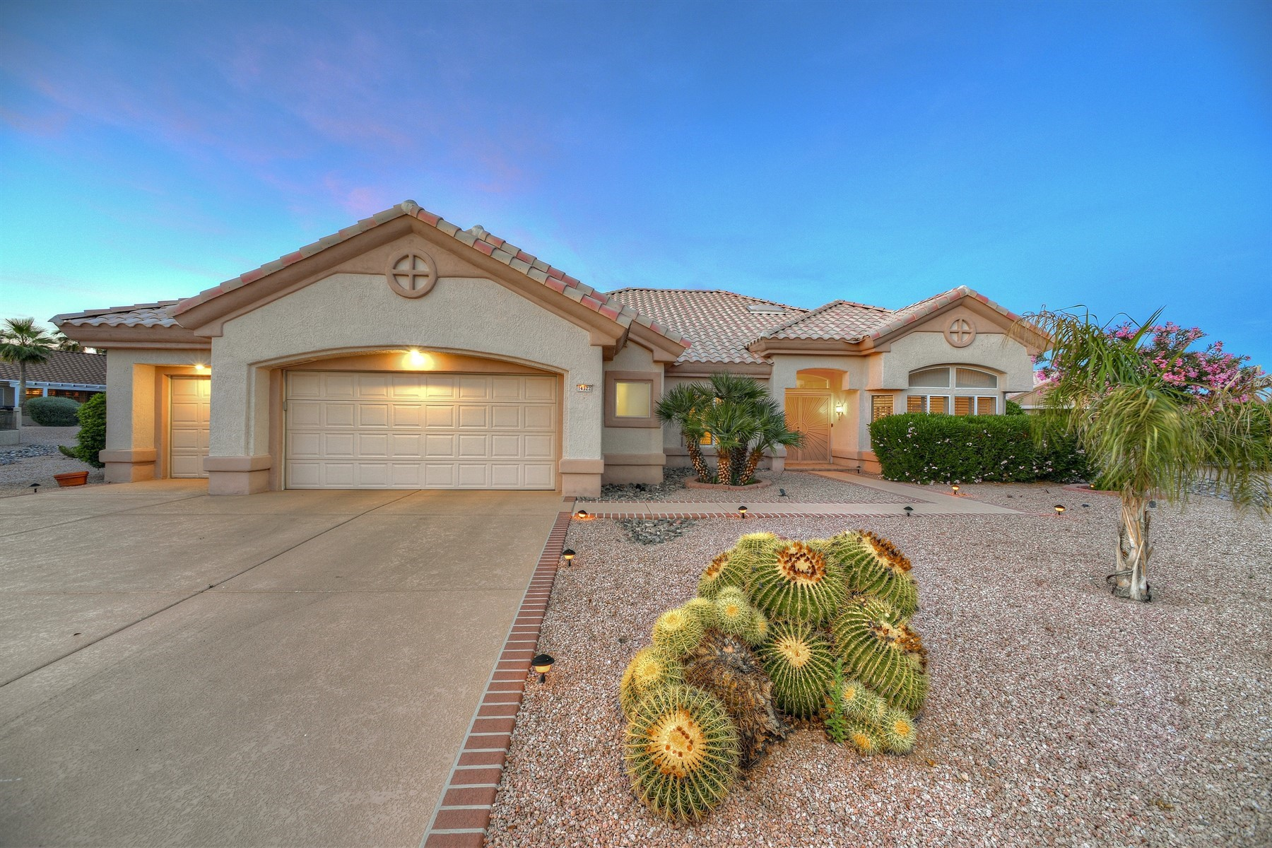 single family homes for Active at Immaculate Cottonwood Home 14322 W COLT LN Sun City West, Arizona 85375 United States