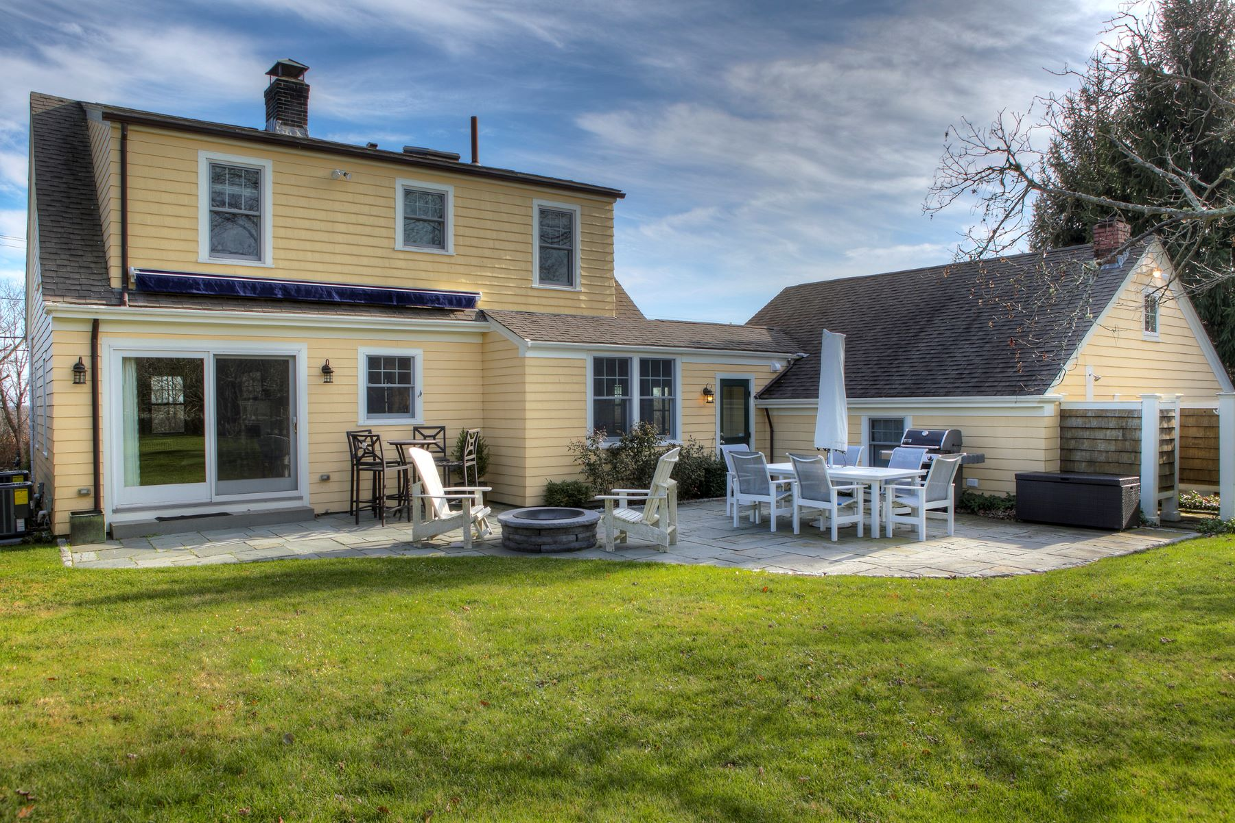 Additional photo for property listing at Pristine Cottage 931 Wapping Road Portsmouth, Rhode Island 02871 United States