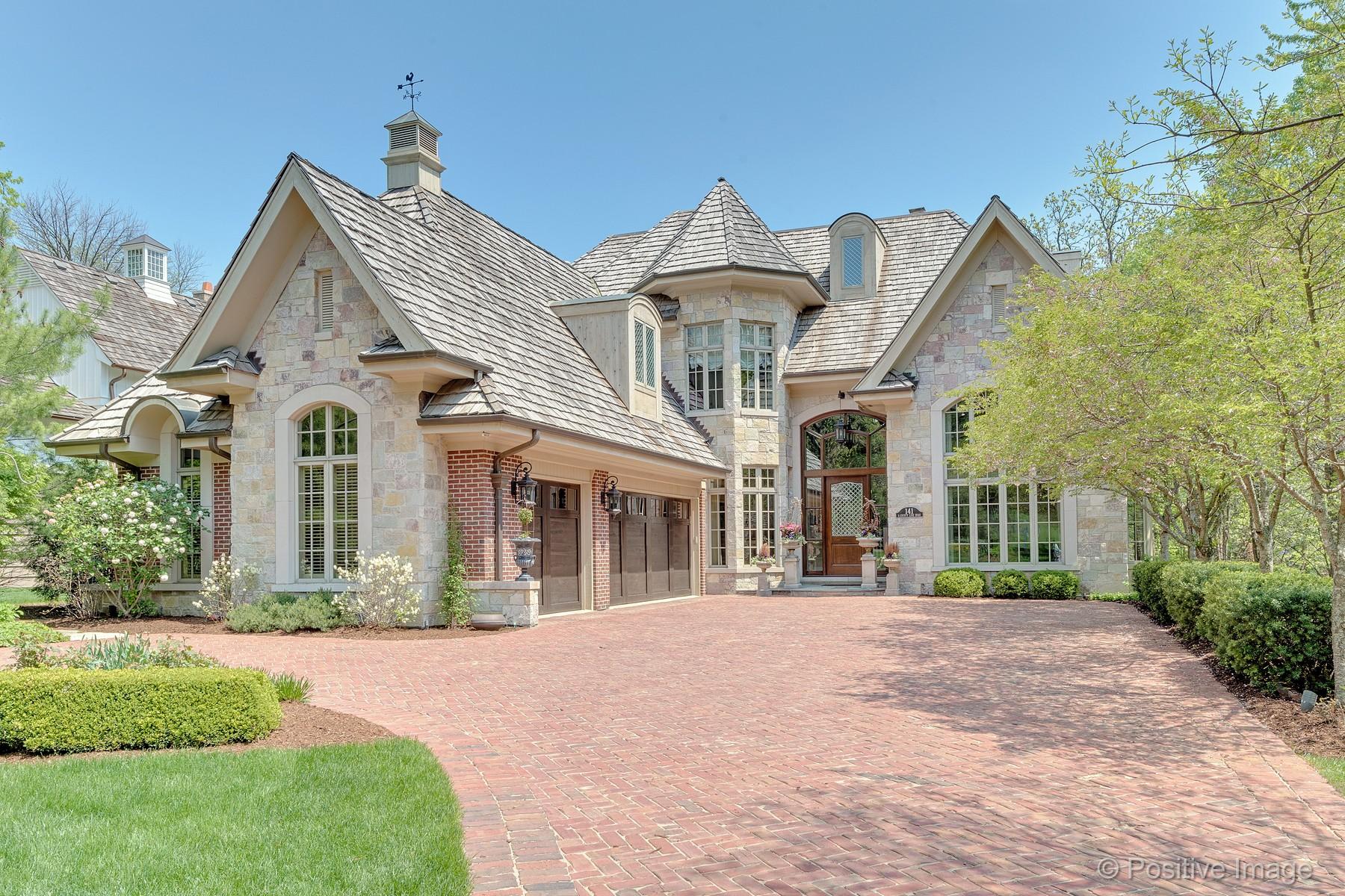 Vivienda unifamiliar por un Venta en Exquisite Timeless Brick Residence 141 S County Line Road, Hinsdale, Illinois, 60521 Estados Unidos