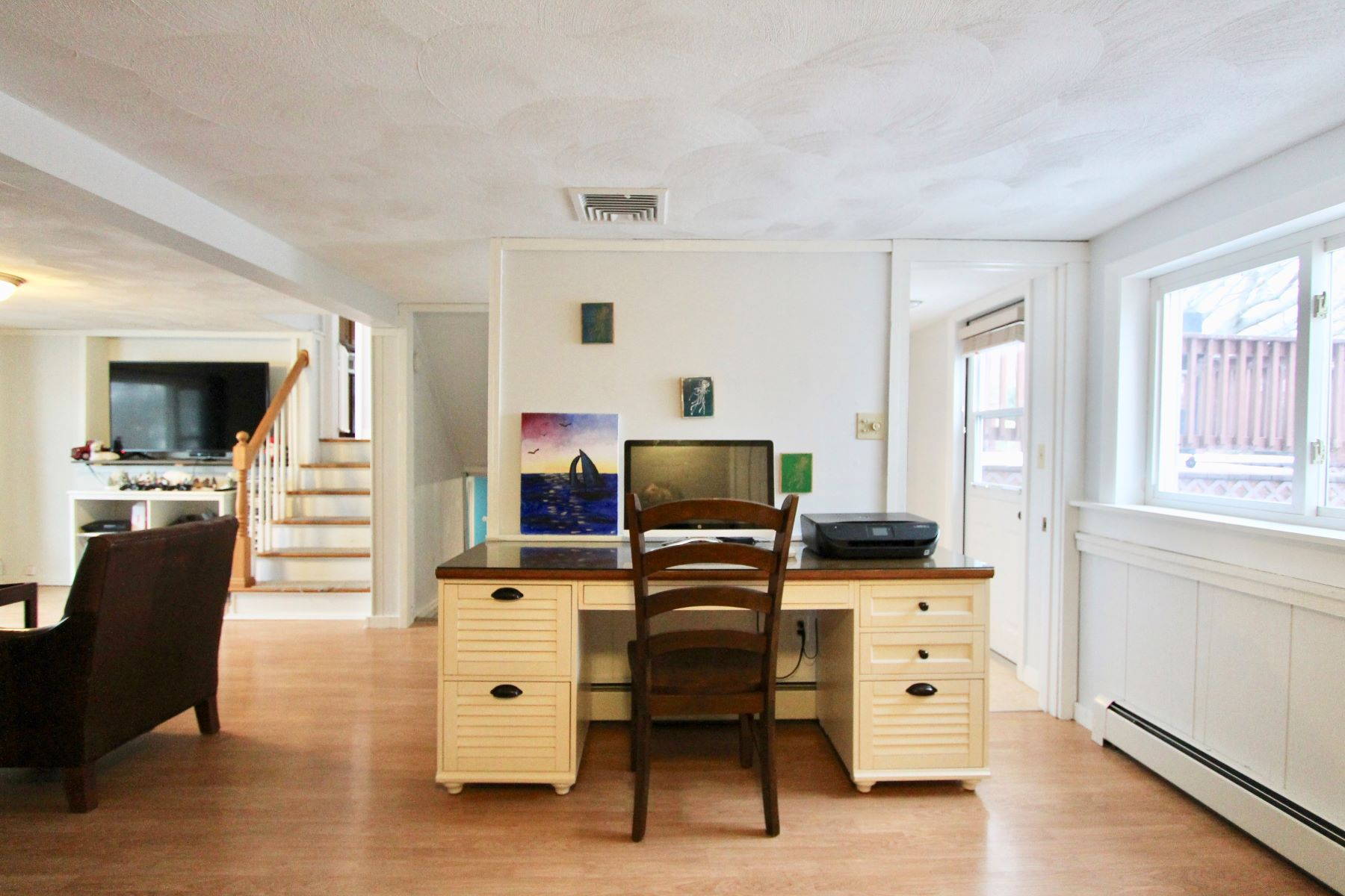 Additional photo for property listing at Upgraded Split Level 12 Reise Terrace Portsmouth, Rhode Island 02871 United States