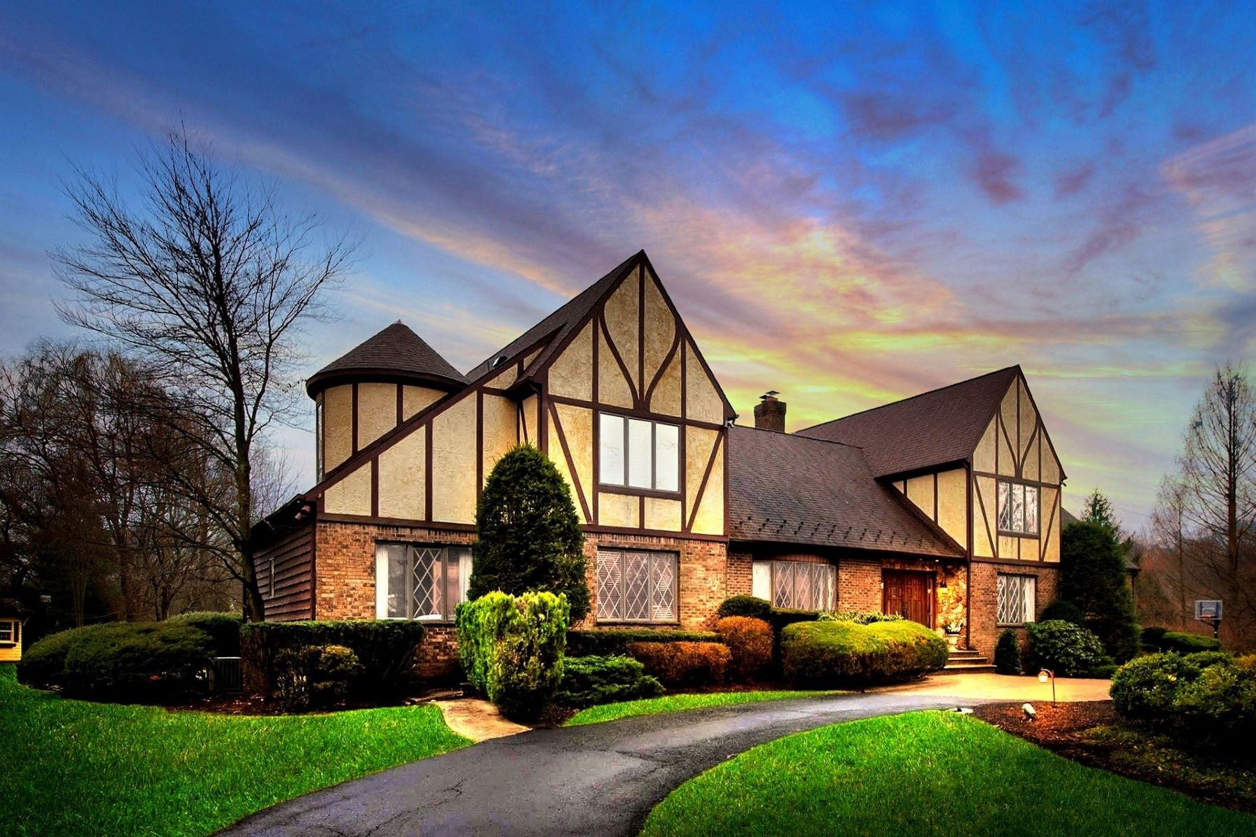 Single Family Homes for Sale at 300 Mill Rd Ho Ho Kus, New Jersey 07423 United States