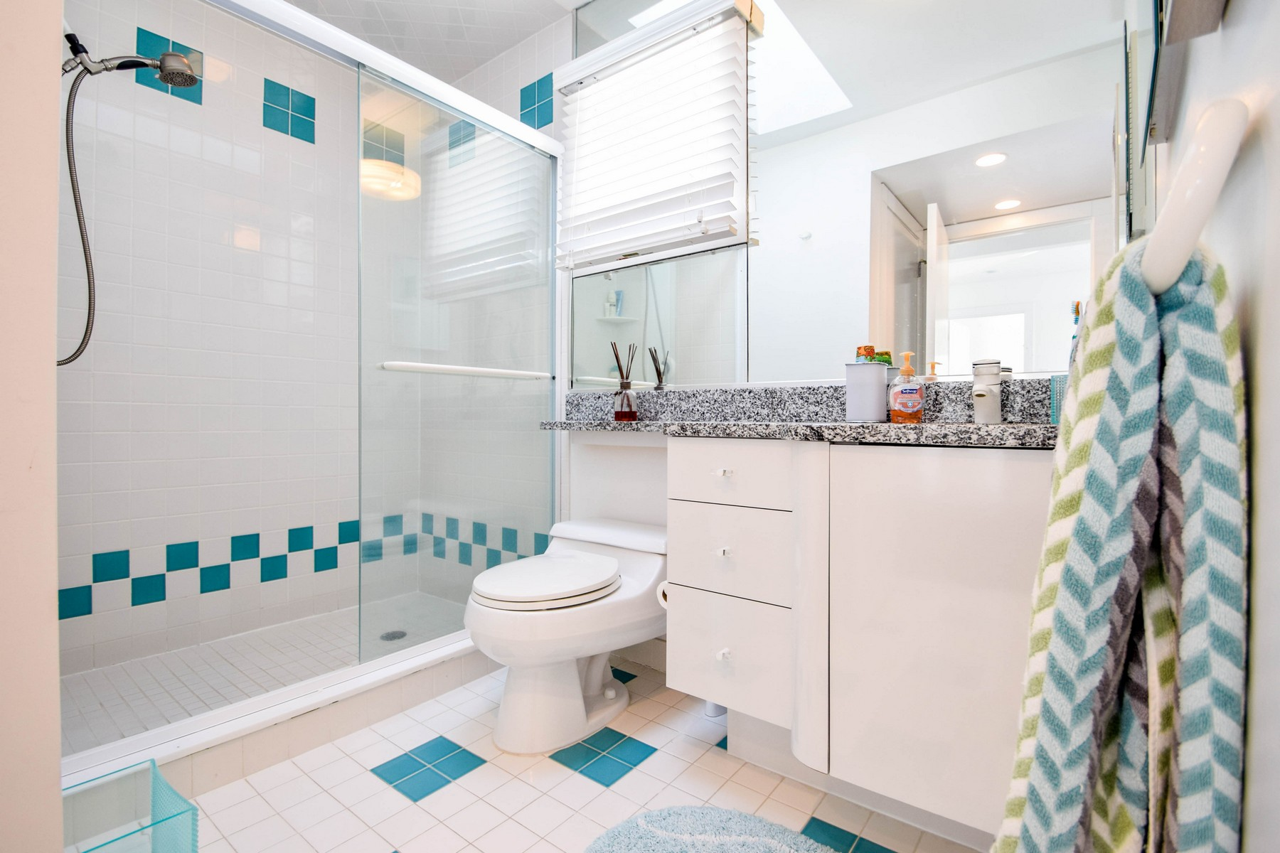 Additional photo for property listing at 108 S 27th Avenue 108 S 27th Avenue Longport, New Jersey 08403 United States