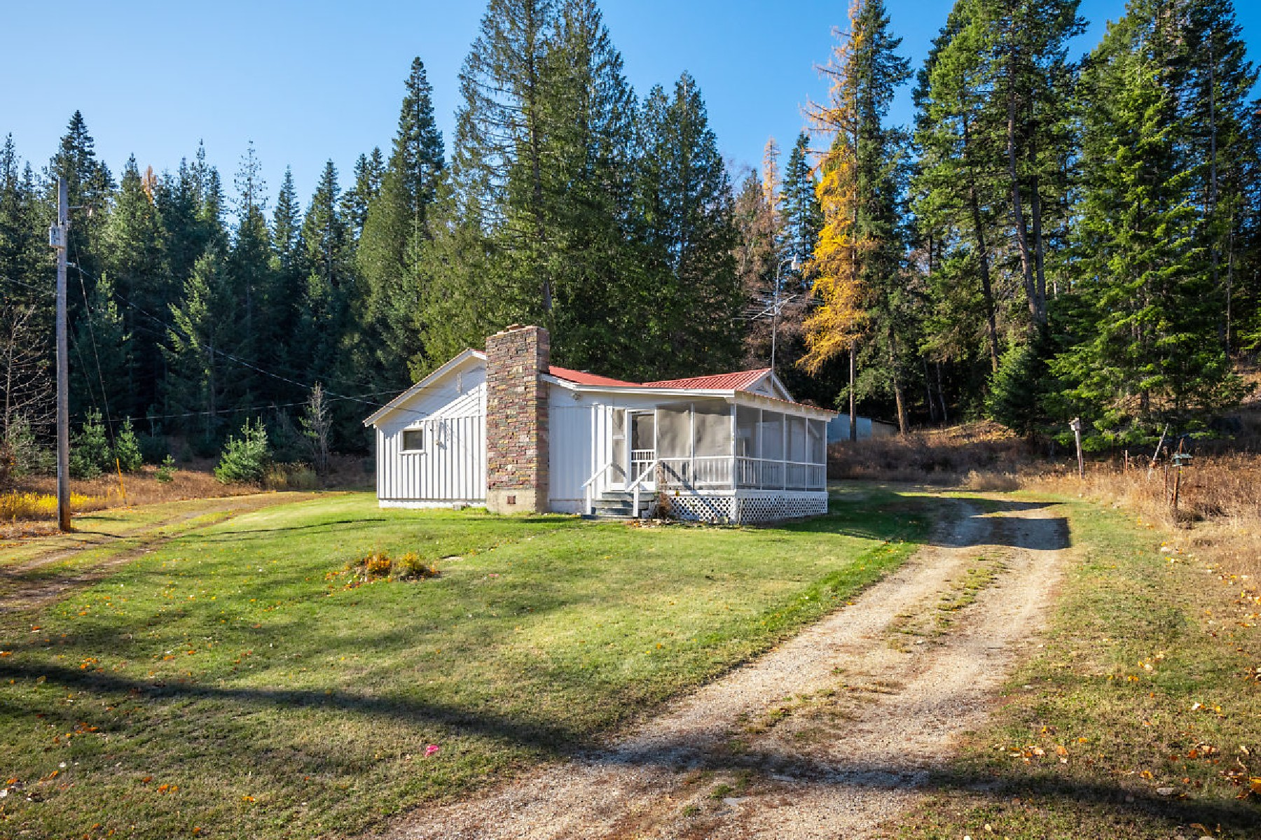 Single Family Homes for Sale at Vintage Farm Style Home 275 Springdale Gardens Priest River, Idaho 83856 United States
