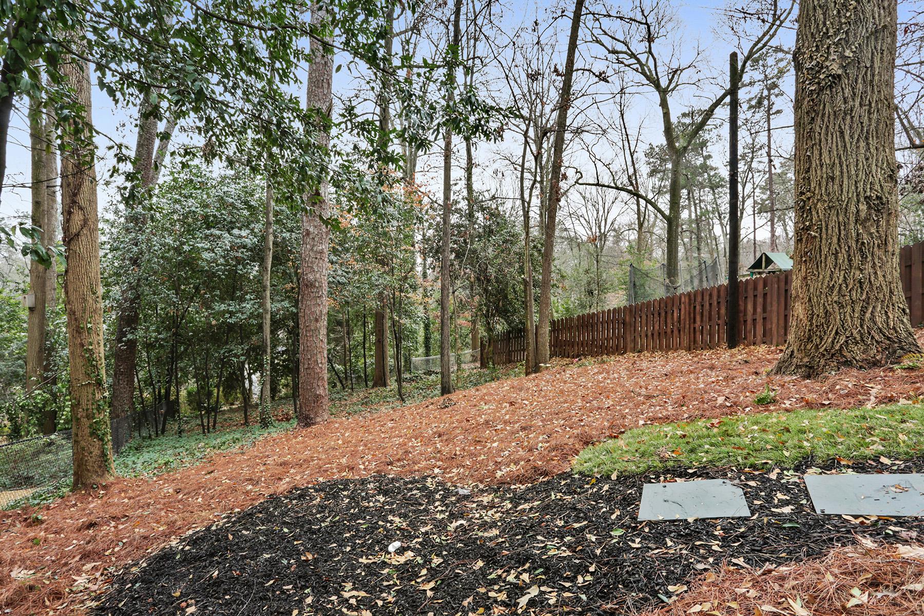 Additional photo for property listing at New Construction in Buckhead  - Morris Brandon Elementary 2155 McKinley Rd Atlanta, Georgien 30318 Usa