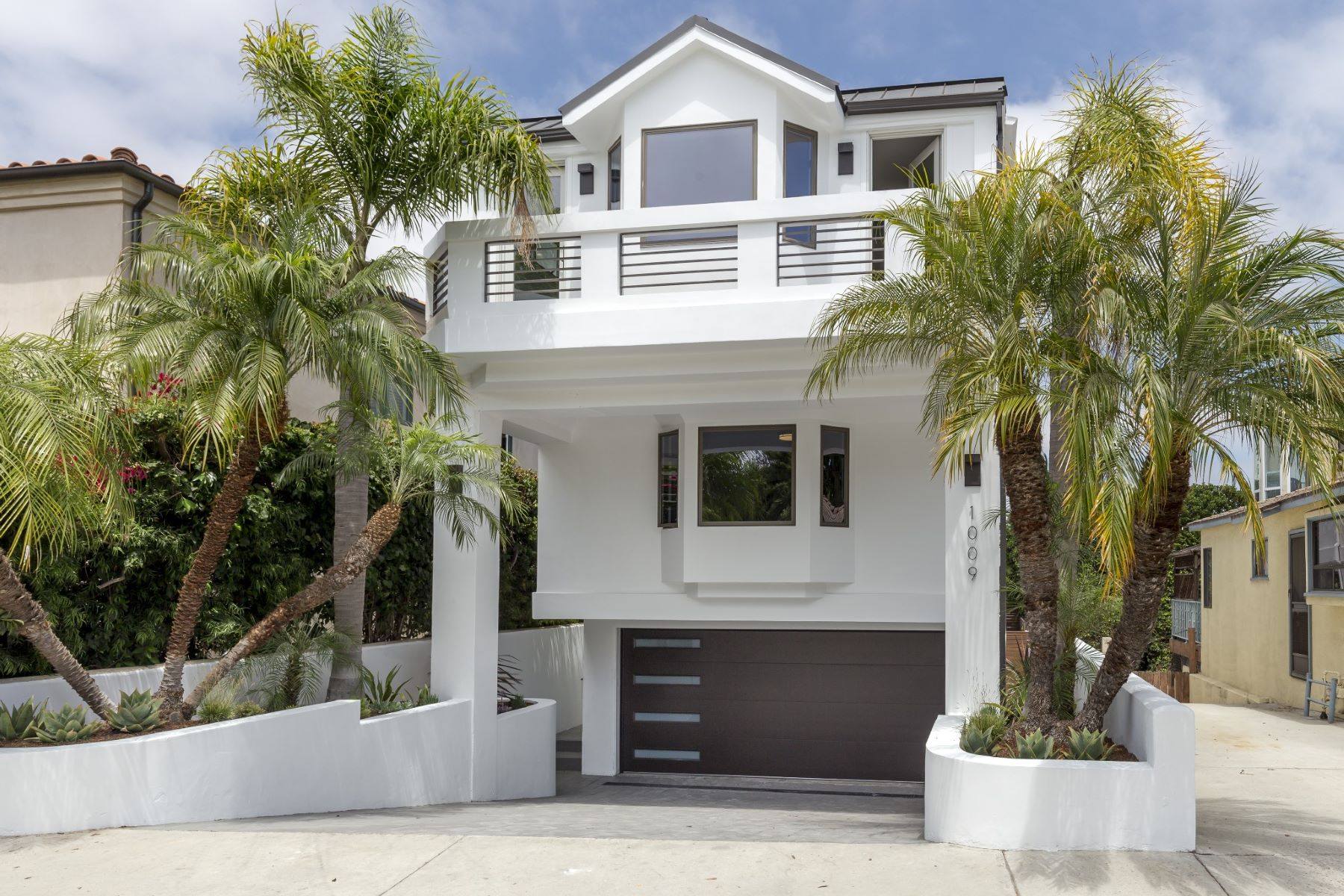 Single Family Home for Sale at 1009 4th St, Hermosa Beach 90254 1009 4th Street Hermosa Beach, California 90254 United States