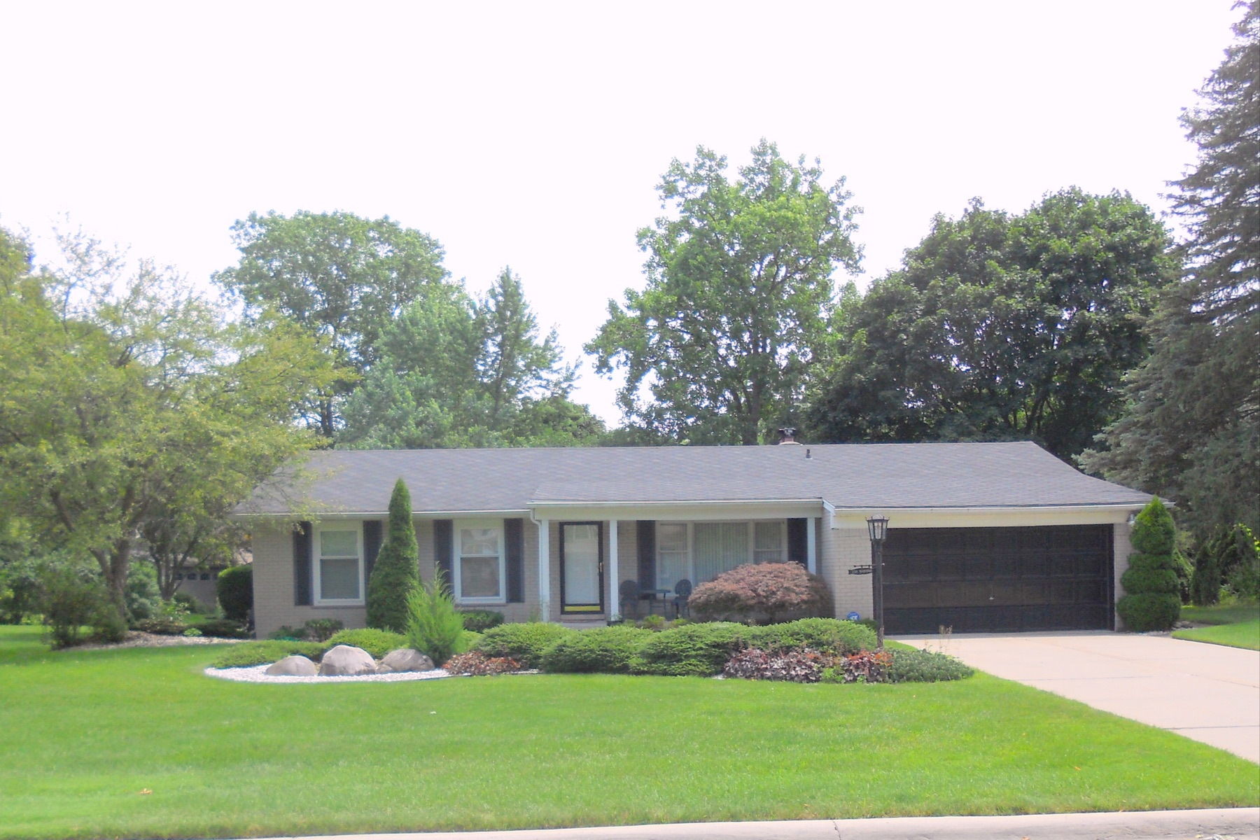 Single Family Homes for Sale at Southfield 2581 Yorkshire Lane Bloomfield Township, Michigan 48302 United States