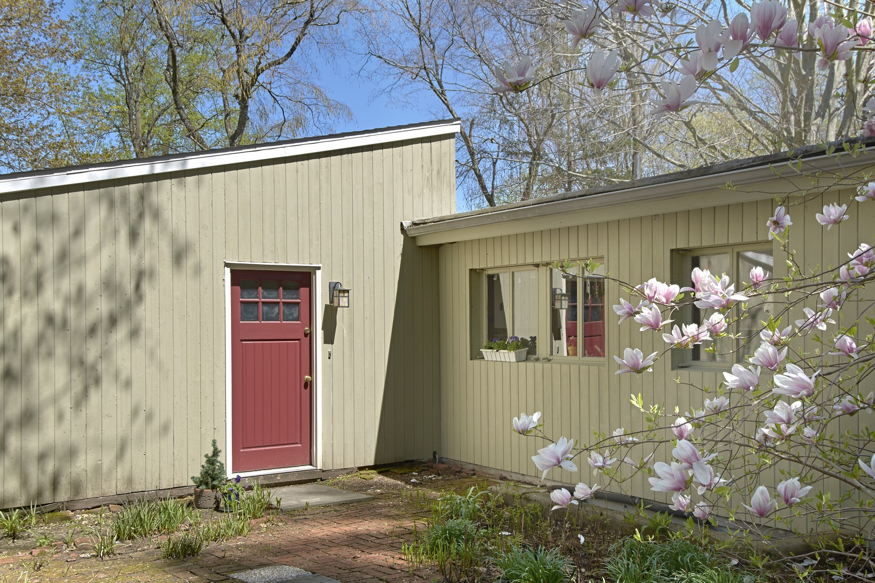 Single Family Homes for Active at Mid Century Modern 227 Cleveland Drive Croton On Hudson, New York 10520 United States