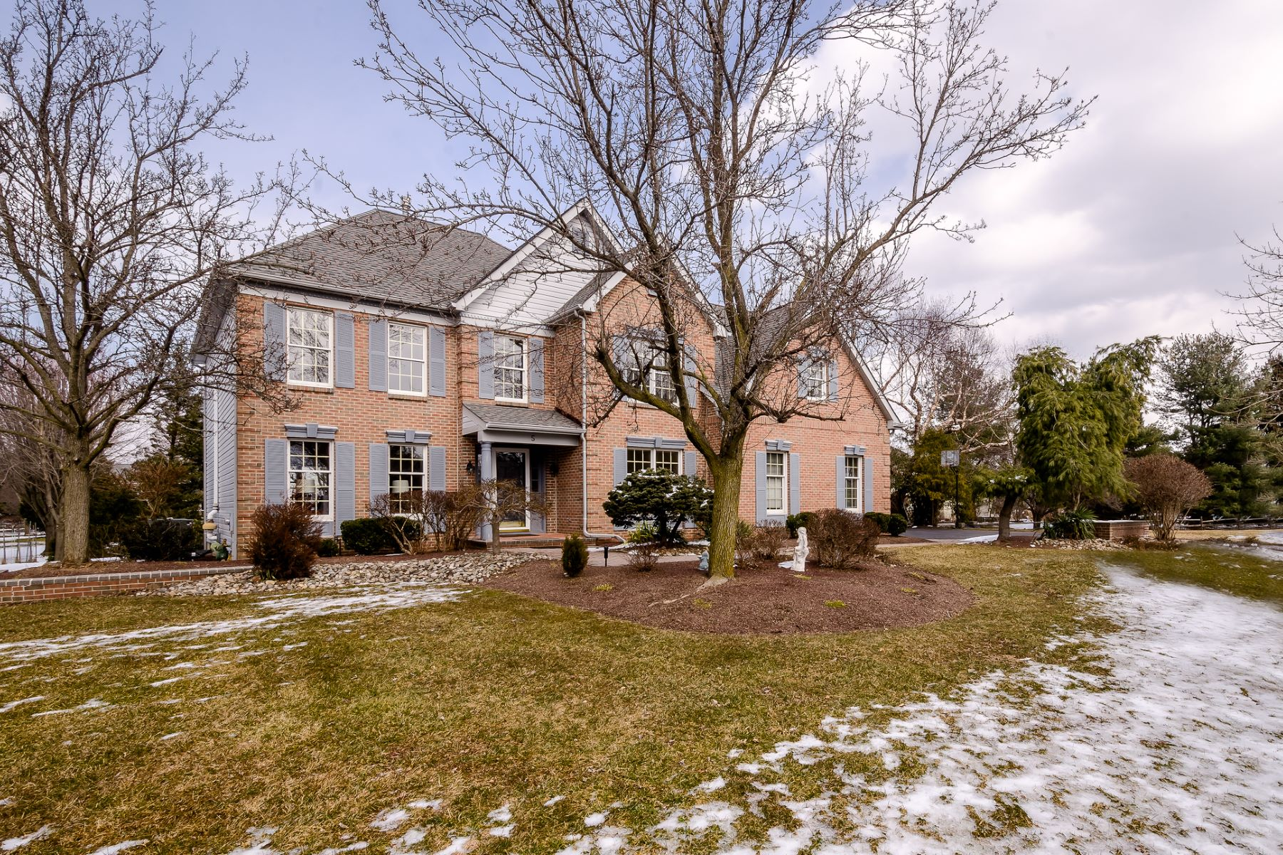Property per Vendita alle ore Beyond Expectations in Windsor Hunt 5 Meridan Court, West Windsor, New Jersey 08550 Stati Uniti