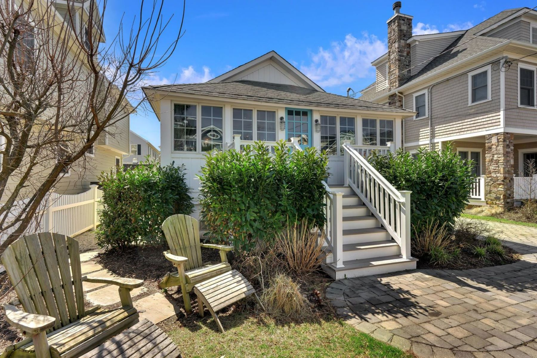 Single Family Homes per Vendita alle ore Coastal Living 569 Pike Avenue, Manasquan, New Jersey 08736 Stati Uniti