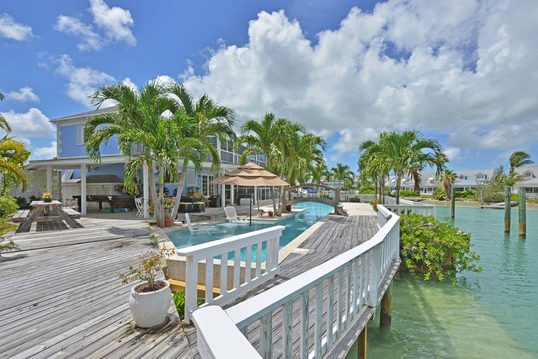 Single Family Home for Sale at Governors Cay, Sandyport Sandyport, Cable Beach, Nassau And Paradise Island Bahamas