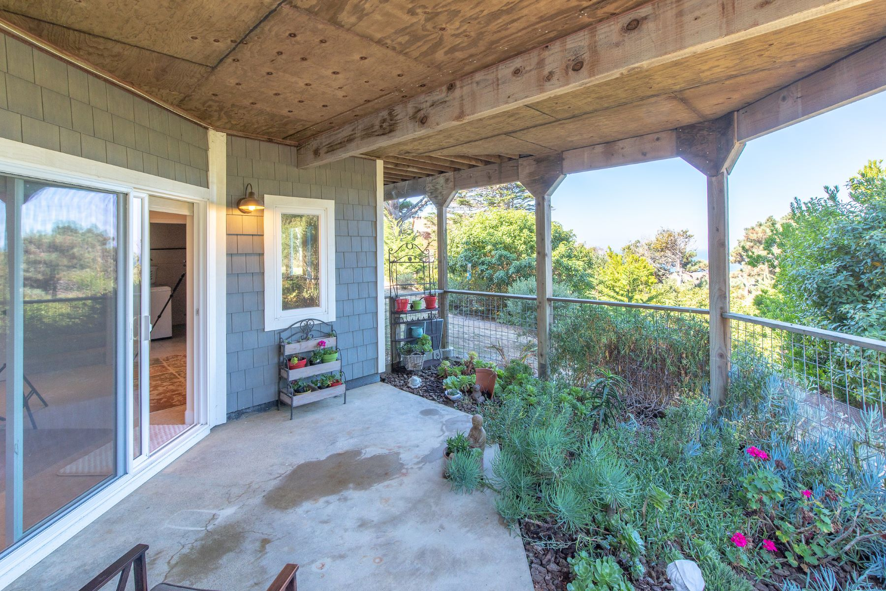 Additional photo for property listing at 'Suite' Coastal Living 46740 Iversen Lane Gualala, California 95445 United States