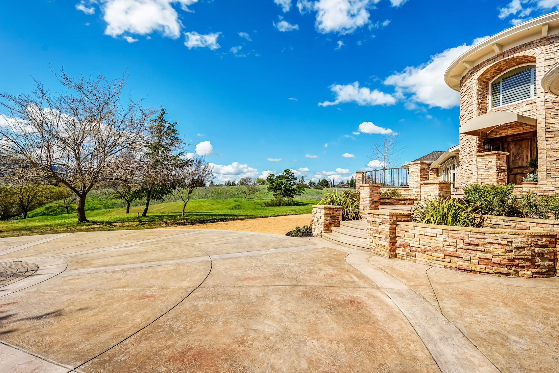 Additional photo for property listing at 920 Happy Valley Rd, Pleasanton 920 Happy Valley Rd Pleasanton, California 94566 United States