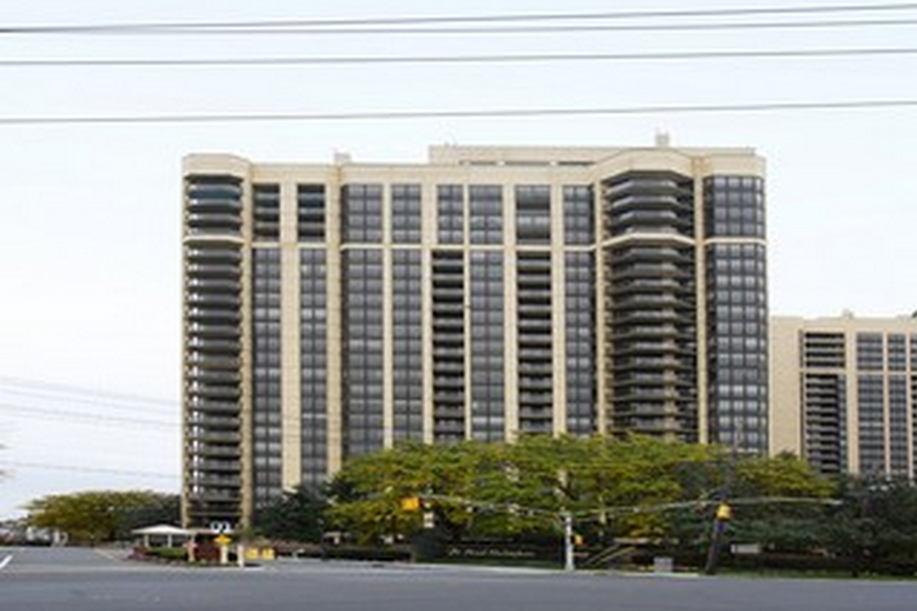 Condominium for Sale at The Royal Buckingham 900 Palisade Avenue, #16C, Fort Lee, New Jersey, 07024 United States