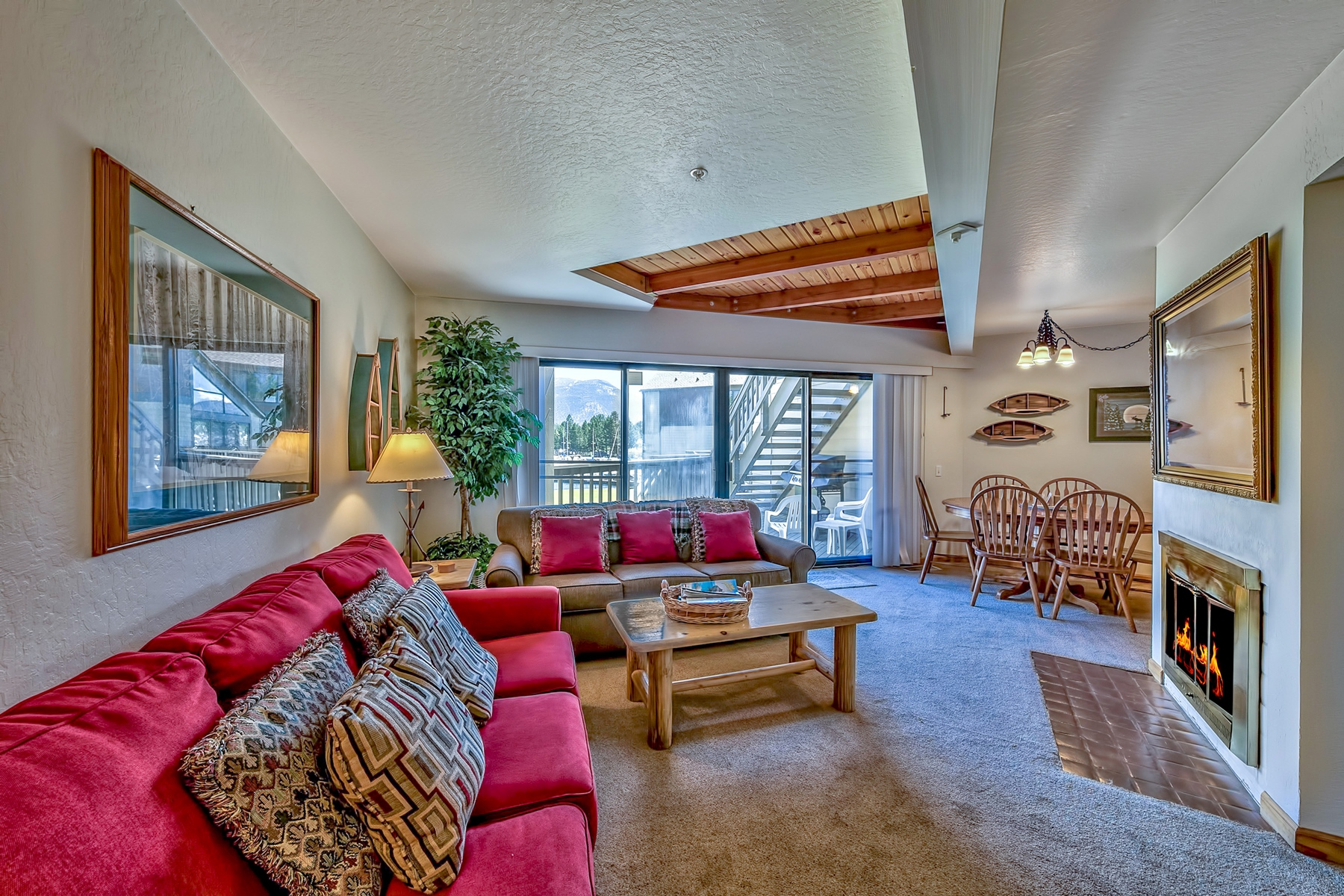Additional photo for property listing at 555 Tahoe Keys Blvd, #7, South Lake Tahoe, CA, 96150 555 Tahoe Keys Boulevard #7 South Lake Tahoe, California 96150 United States