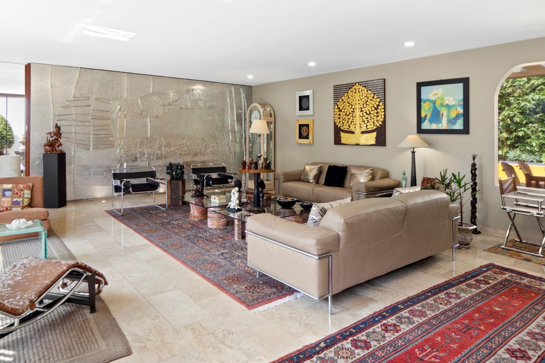 Condominiums 용 매매 에 Casa la barranca Cerrada de Montecarlo 255 Other Mexico, Mexico 53900 멕시코