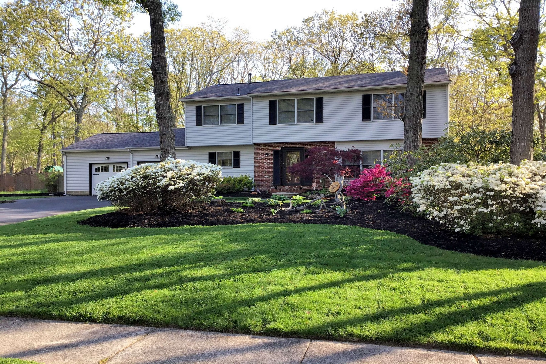 Single Family Homes for Active at Single Family Home in Desirable Neighborhood 18 Island View Terrace Seaville, New Jersey 08230 United States
