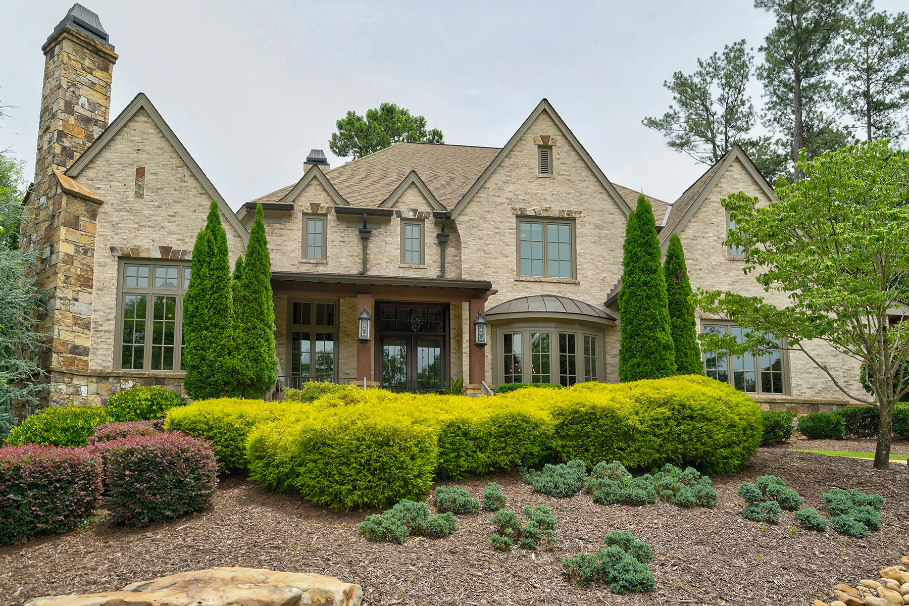 Single Family Homes のために 売買 アット Fabulous Remodel In The River Club 4845 Kettle River Point, Suwanee, ジョージア 30024 アメリカ