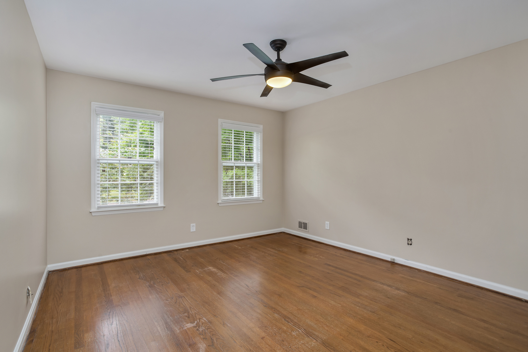 Additional photo for property listing at Spacious Dunwoody Traditional 5130 Charmant Pl, Dunwoody, ジョージア 30360 アメリカ