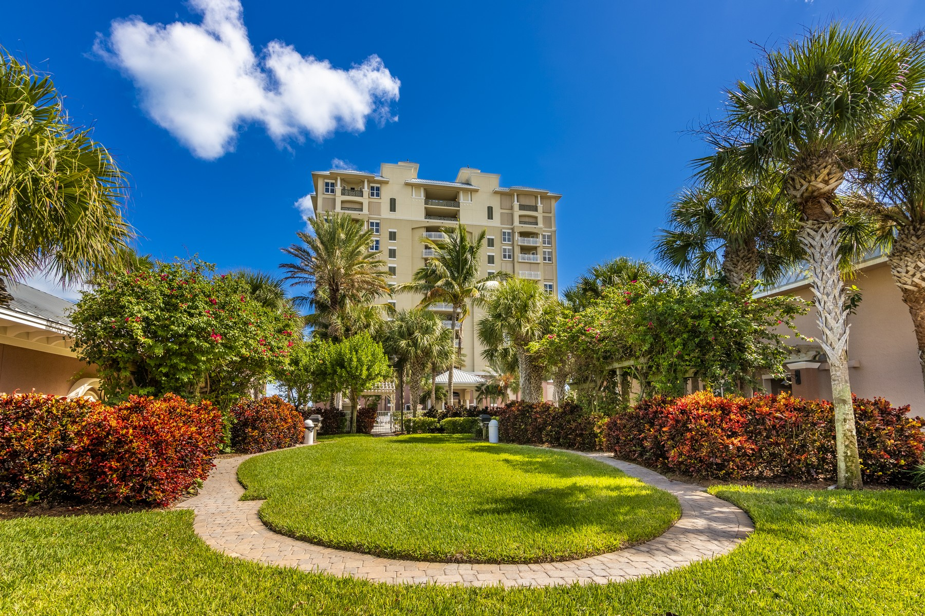 Condominiums for Sale at Luxurious Condo Captures the Ocean 3702 N Highway A1A Unit 304, Hutchinson Island, Florida 34949 United States