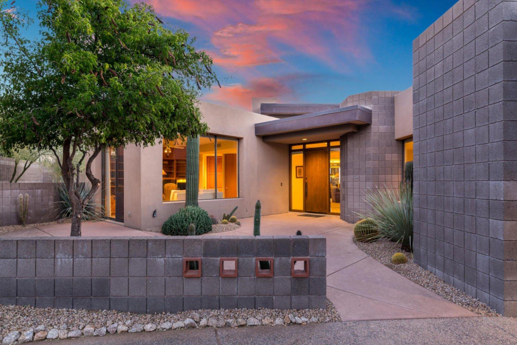 Maison unifamiliale pour l Vente à Marvelous Desert Contemporary with Views 39354 N 107th Way, Scottsdale, Arizona, 85262 États-Unis