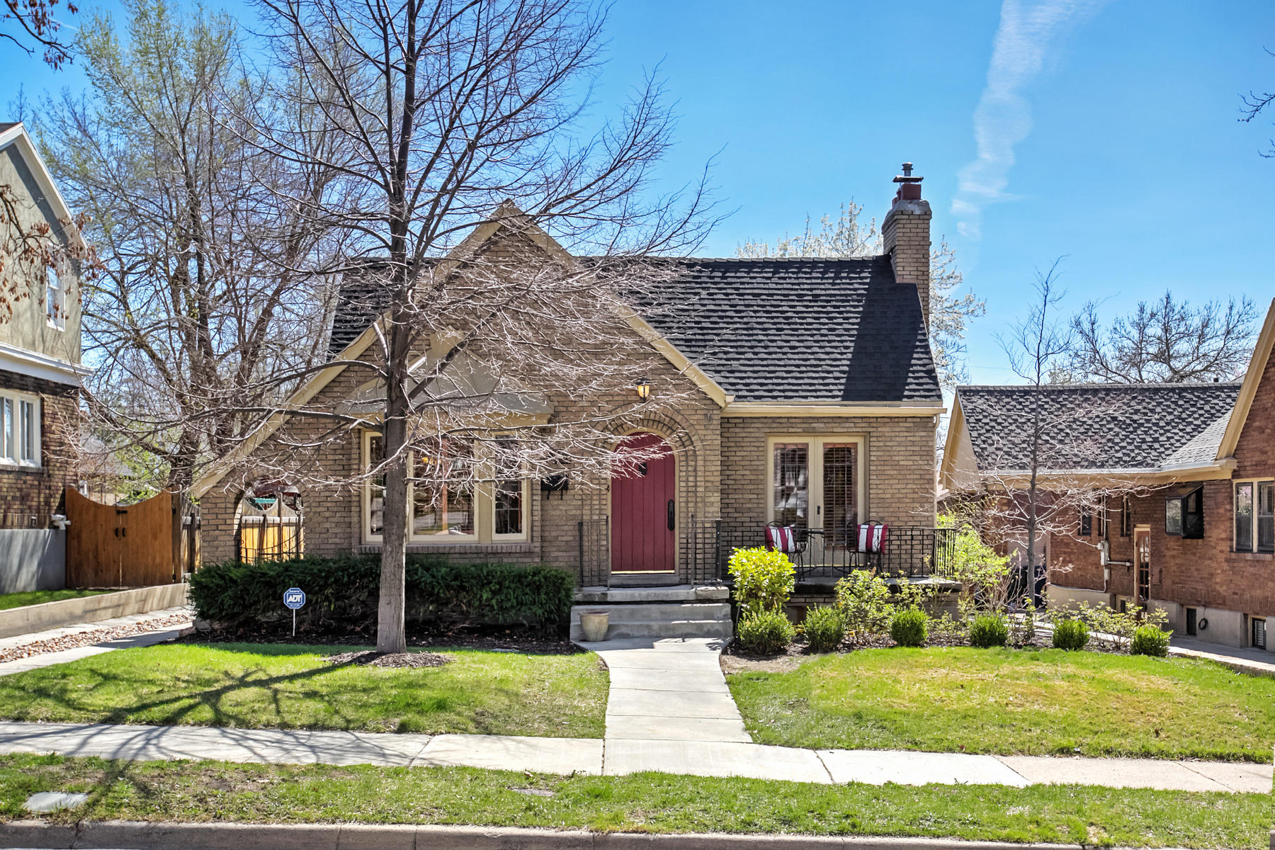 Villa per Vendita alle ore Lovely on Laird 1412 E Laird Ave Salt Lake City, Utah, 84105 Stati Uniti