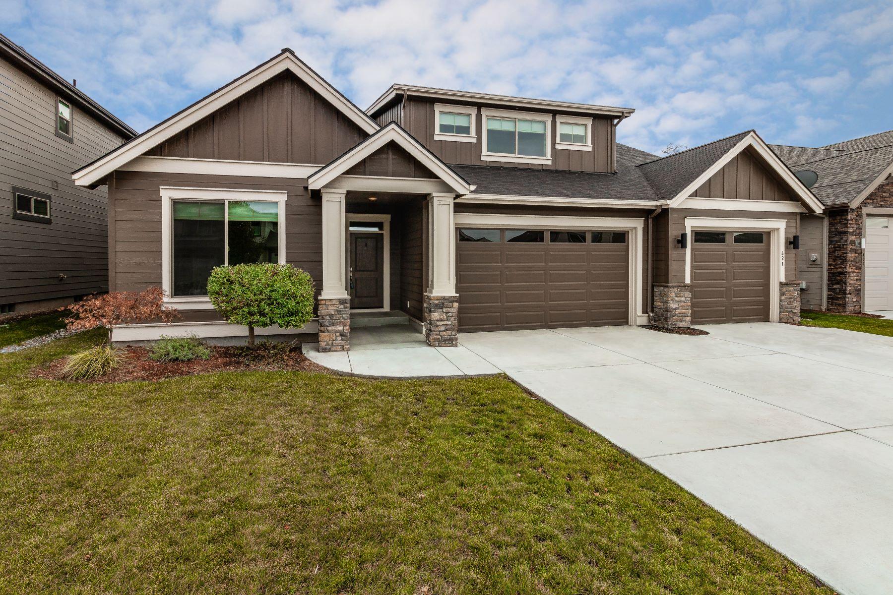 Single Family Homes for Sale at 421 Reserve Way Walla Walla, Washington 99362 United States