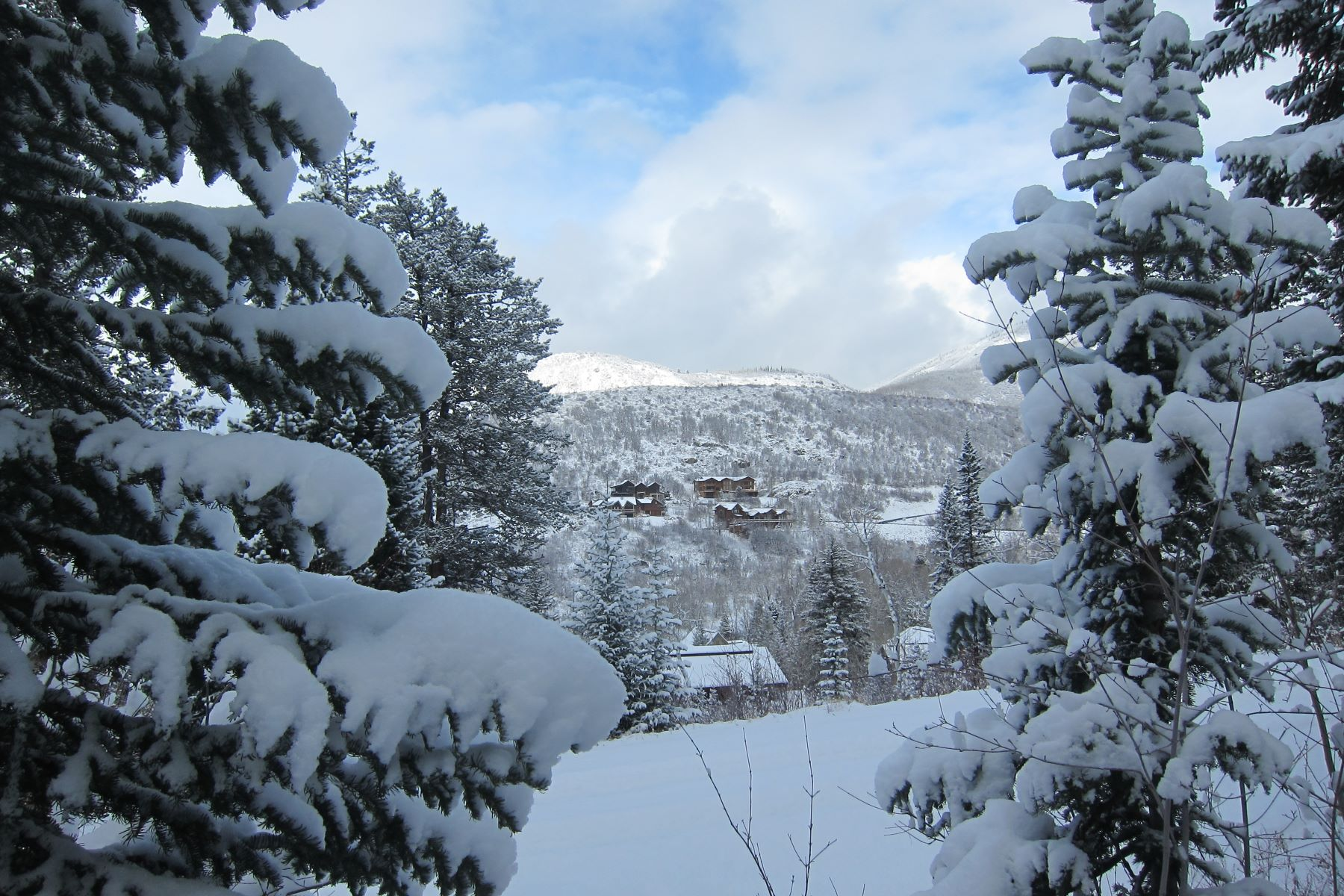 Additional photo for property listing at Mere Steps to Cross-Country Ski Trails 2425 Clubhouse Dr Steamboat Springs, Colorado 80487 United States