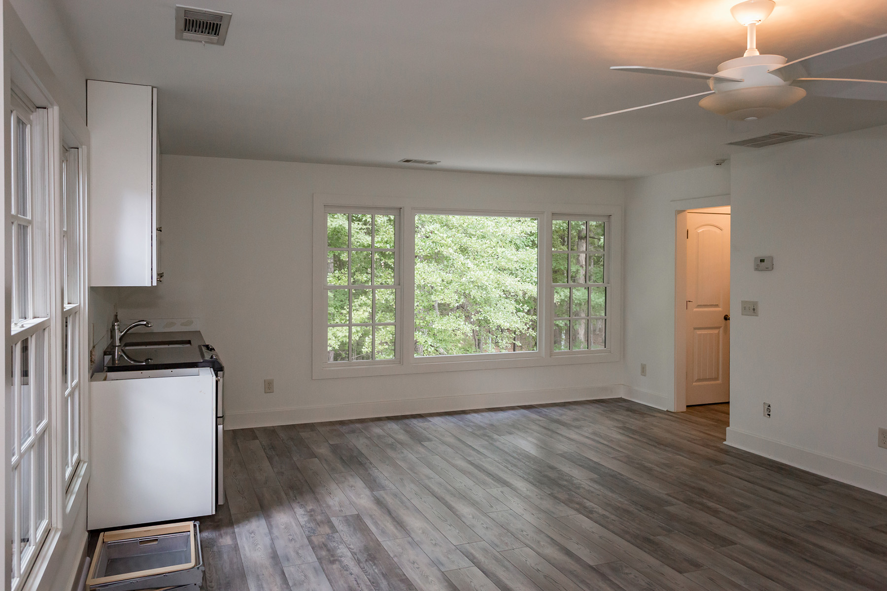 Additional photo for property listing at Grand European Style Home in Heart of Serenbe Community 9056 Selborne Ln, Chattahoochee Hills, Джорджия 30268 Соединенные Штаты