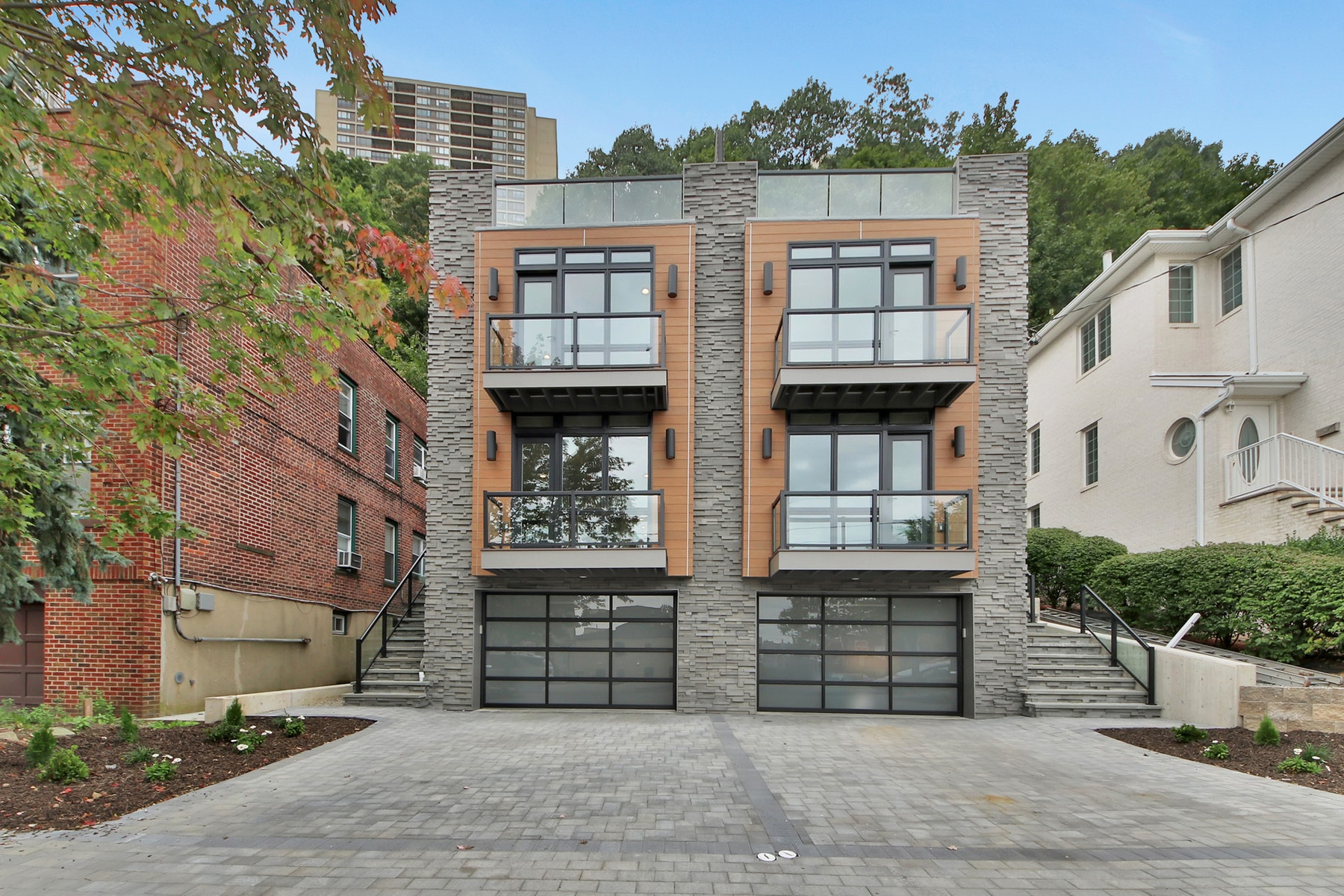 Duplex for Rent at 746 Undercliff Avenue, Unit B Edgewater, New Jersey 07020 United States