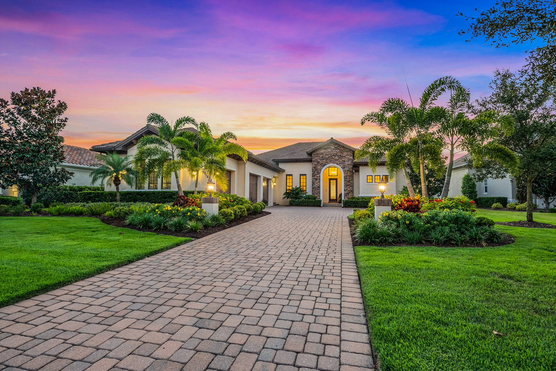 Single Family Homes for Sale at 16115 Daysailor Trl Lakewood Ranch, Florida 34202 United States
