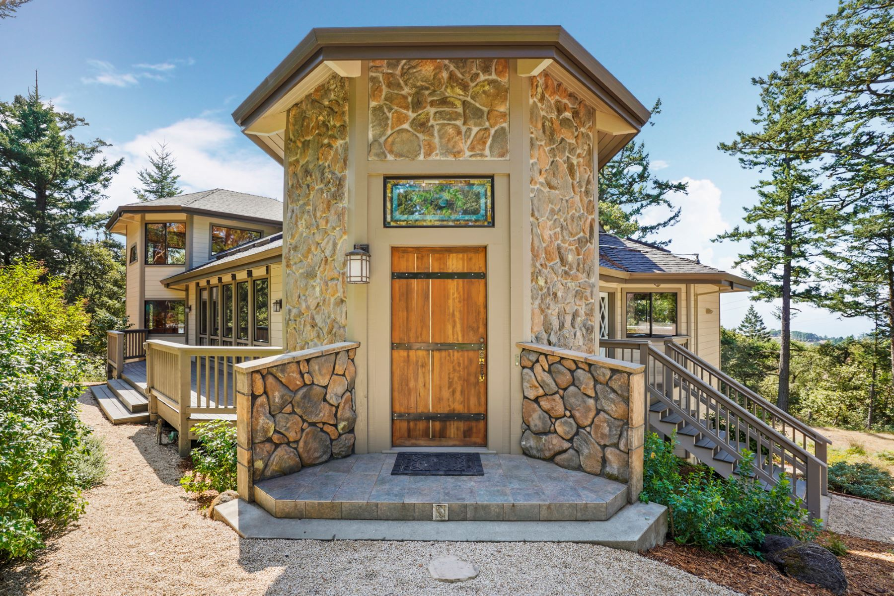 Single Family Homes for Sale at Magnificent Home in Tranquil Mountain Location 410 Allen Road Woodside, California 94062 United States