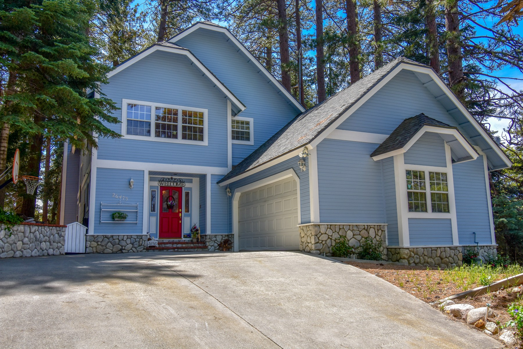 Single Family Homes for Sale at 26475 Augusta Drive, Lake Arrowhead, California 92352 26475 Augusta Drive Lake Arrowhead, California 92352 United States