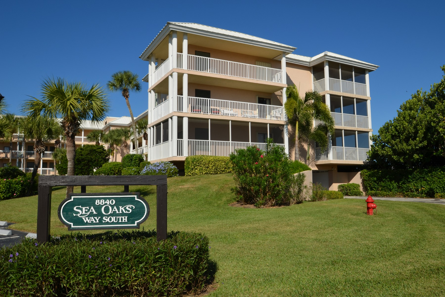 Additional photo for property listing at Sea Oaks Oceanfront Condo 8840 S Sea Oaks Way #206 Vero Beach, Florida 32963 United States