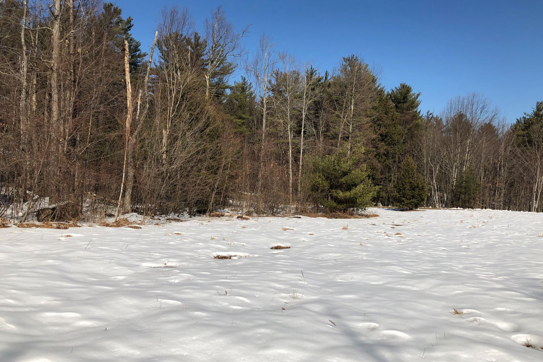 Land for Sale at 8A 2-3-2 Woodcock Run in Templer 8A 2-3-2 Woodcock Run Temple, New Hampshire 03084 United States