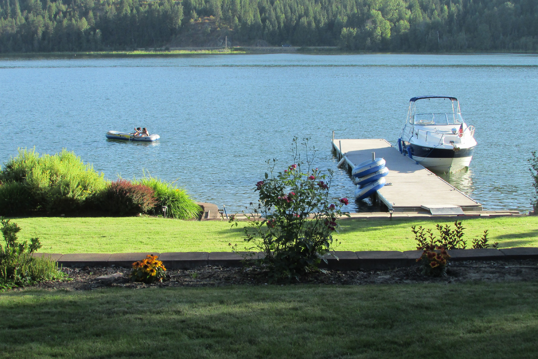 Single Family Home for Active at Made for Enjoying the Outdoors! 38 E Shore Priest River, Idaho 83856 United States