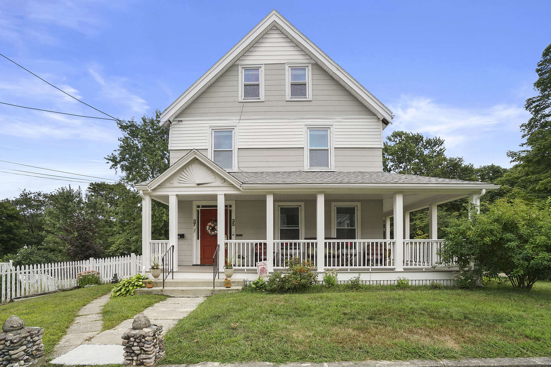 Condominiums for Sale at 37 Phillips Street, Weymouth 37 Phillips Street Weymouth, Massachusetts 02188 United States
