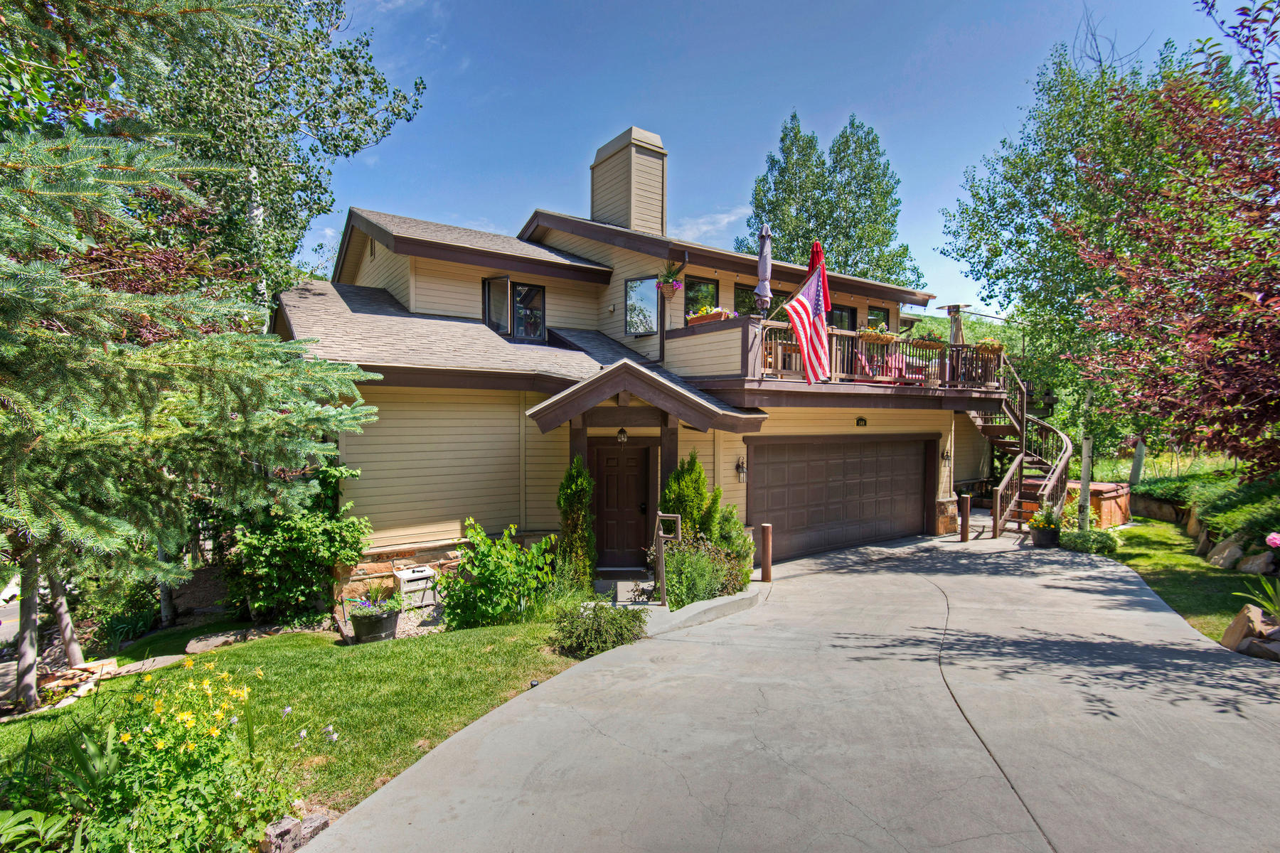 Condominium for Sale at Ultra Rare Condo Optimally Situated Between Old Town And Deer Valley! 544 Deer Valley Loop #A Park City, Utah, 84060 United States