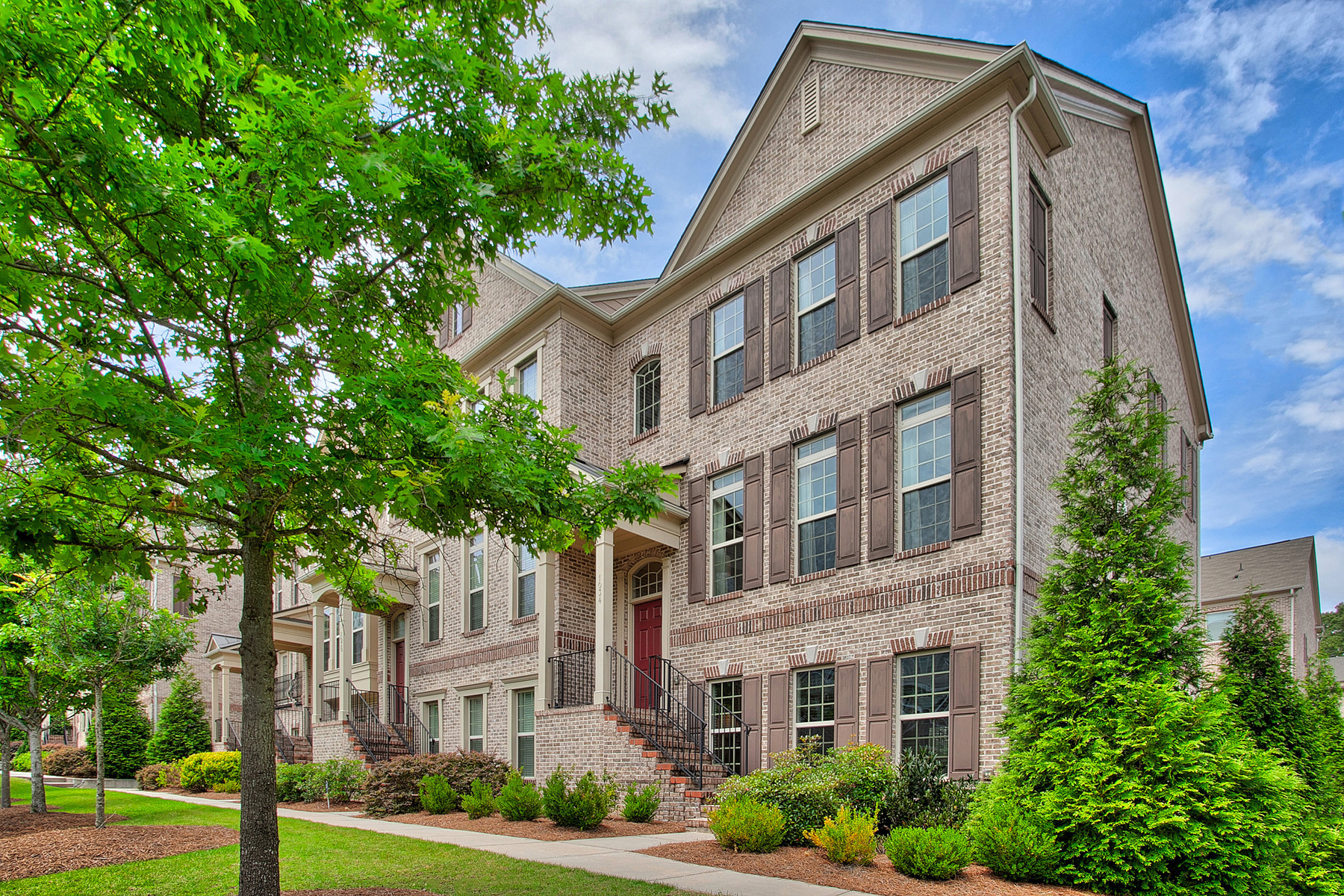 Townhouse for Sale at Luxury End Unit Townhome In Buckhead 1034 E Paces Chase NE Atlanta, Georgia 30326 United States