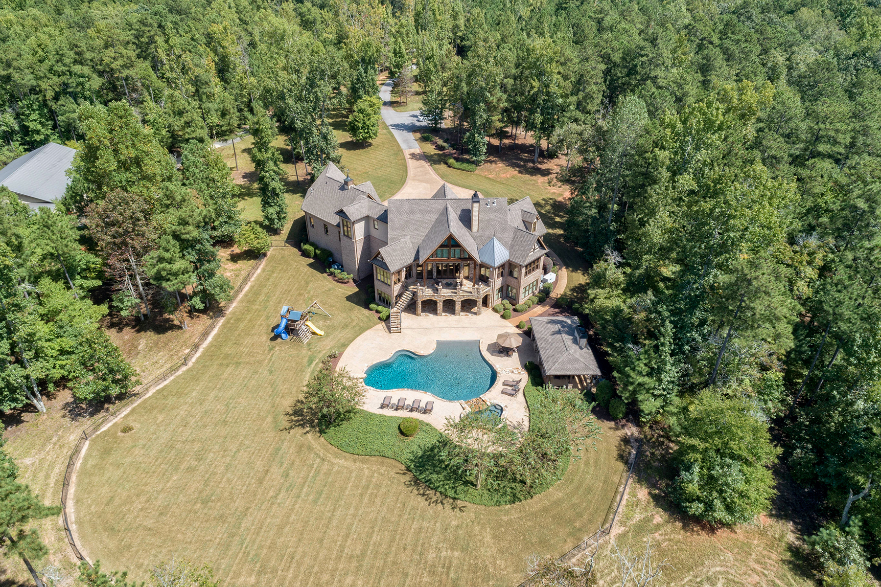 Additional photo for property listing at Entertainer's Dream- Not Far From The City Lights 6125 Tyree Road Winston, Georgia 30187 United States